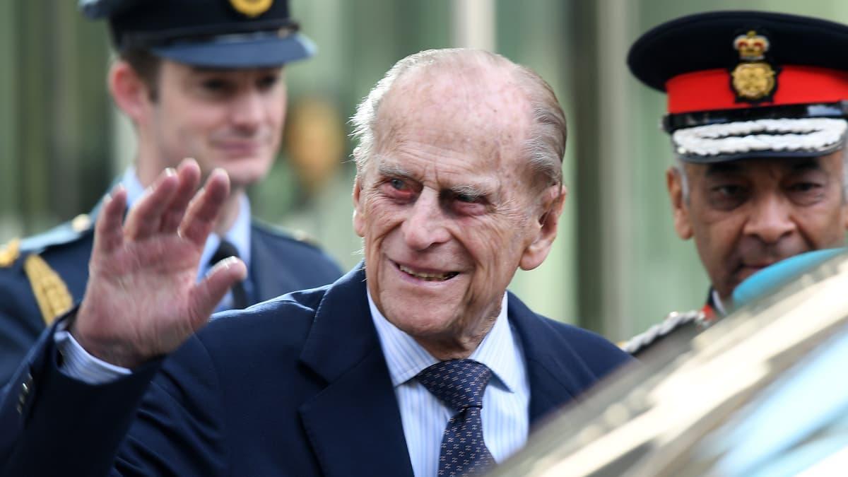 Prinssi Philip on kuollut 99 vuoden iässä