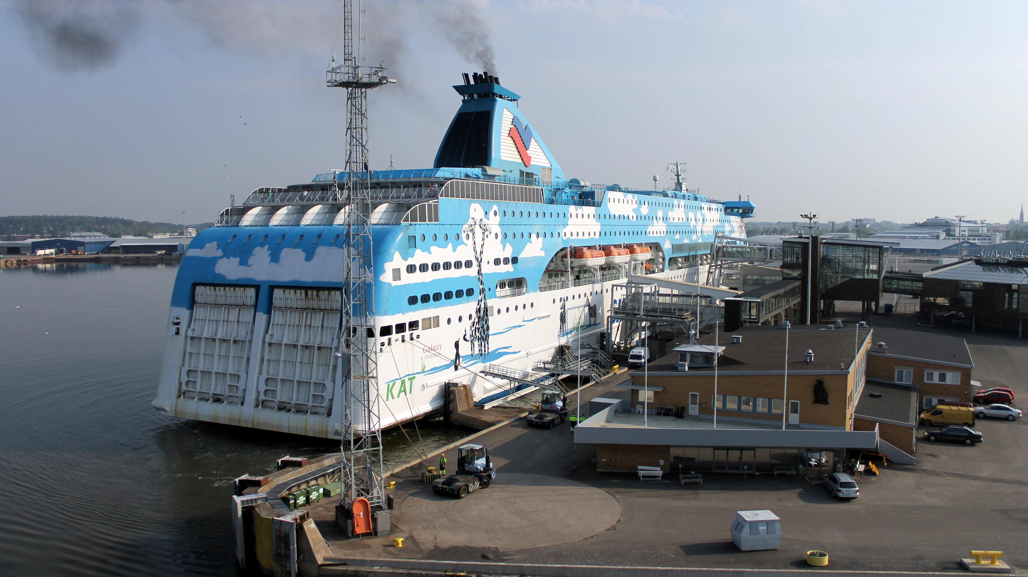 Fartyg Galaxy i Åbo hamn.