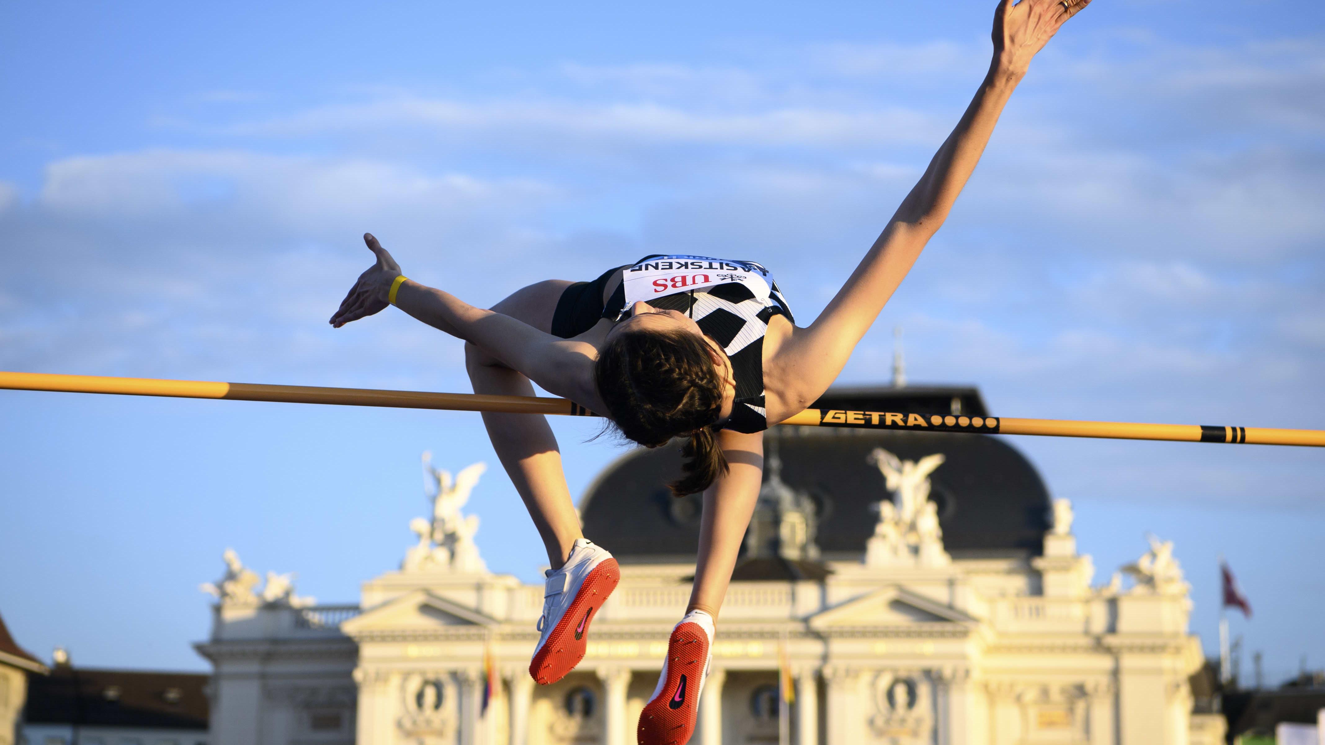 Marija Lasitskene hyppää Sveitsissä Timanttiliigassa 205.