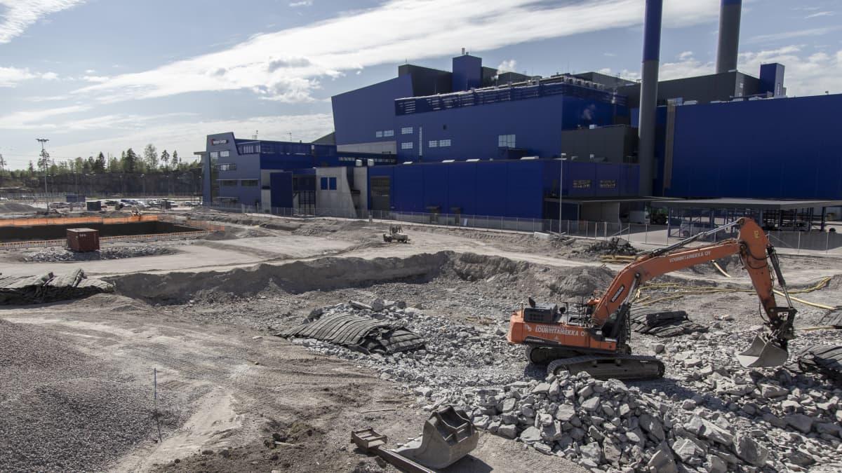 Meren yli käytävä roskaralli saa haastajan Vantaalle – Uusi kiertotalouden keskittymä lajittelee jätettä ja polttaa sitä mitä ei voi kierrättää