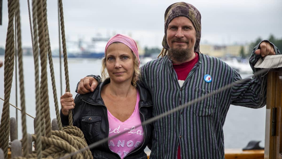Anna ja Markus von Wendt laivan kannella