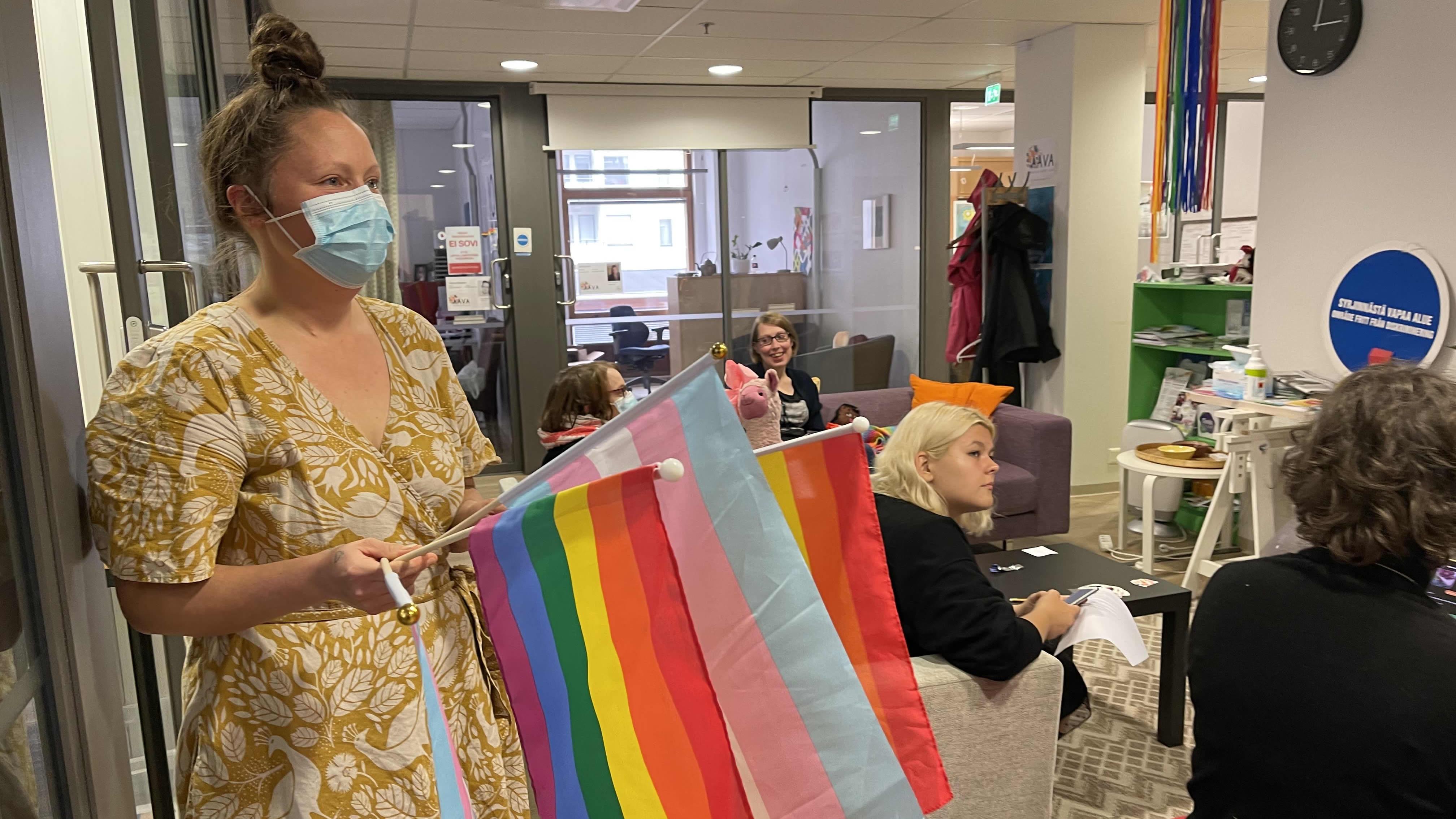 Anni Rannikko Pohjois-Karjalan Setan Susiraja Priden valmisteluissa.