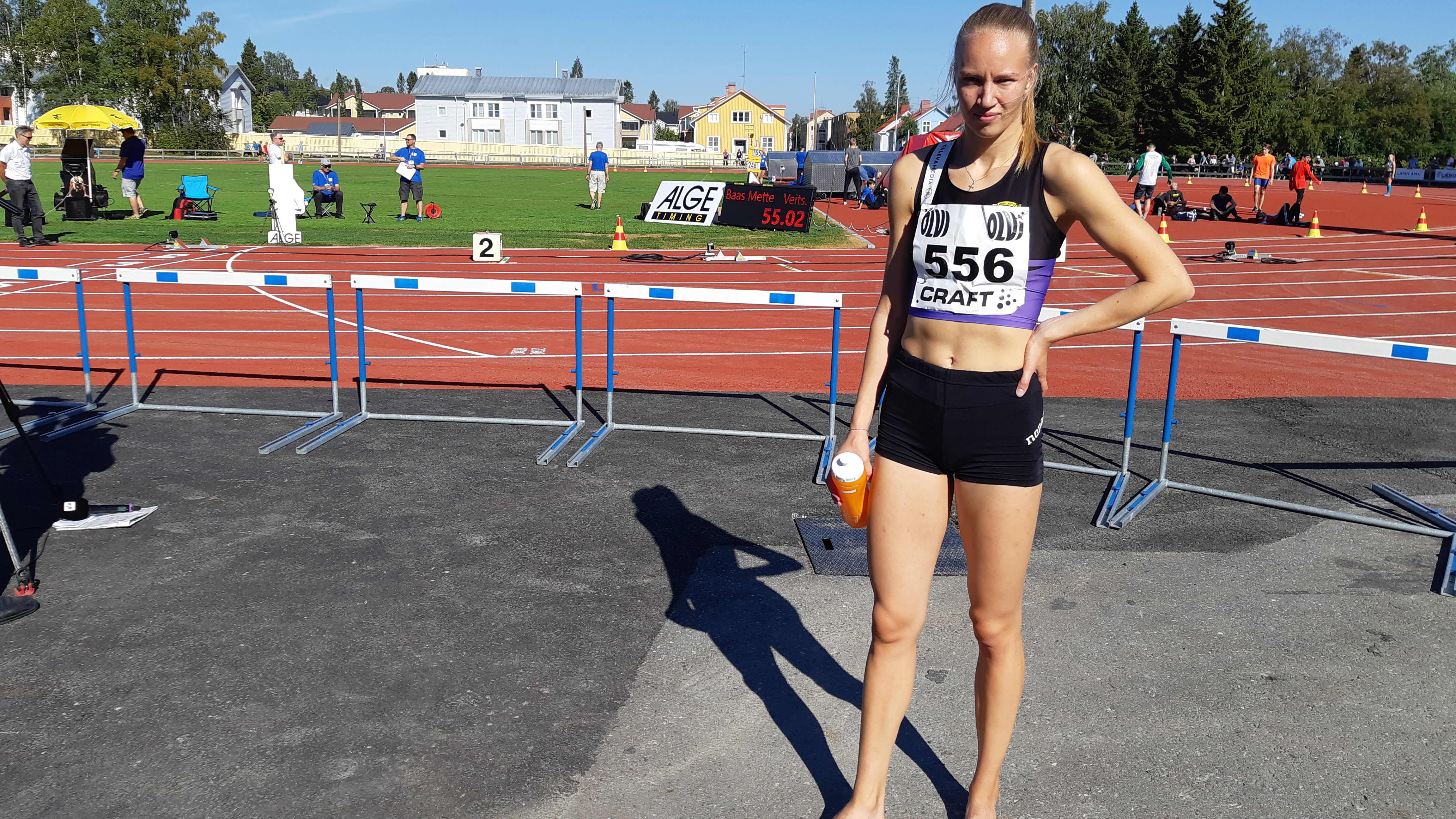 Naisten 22-vuotiaiden 200 metrin juoksun Suomen mestari, Veitsiluodon kisaveikkojen Mette Baas.