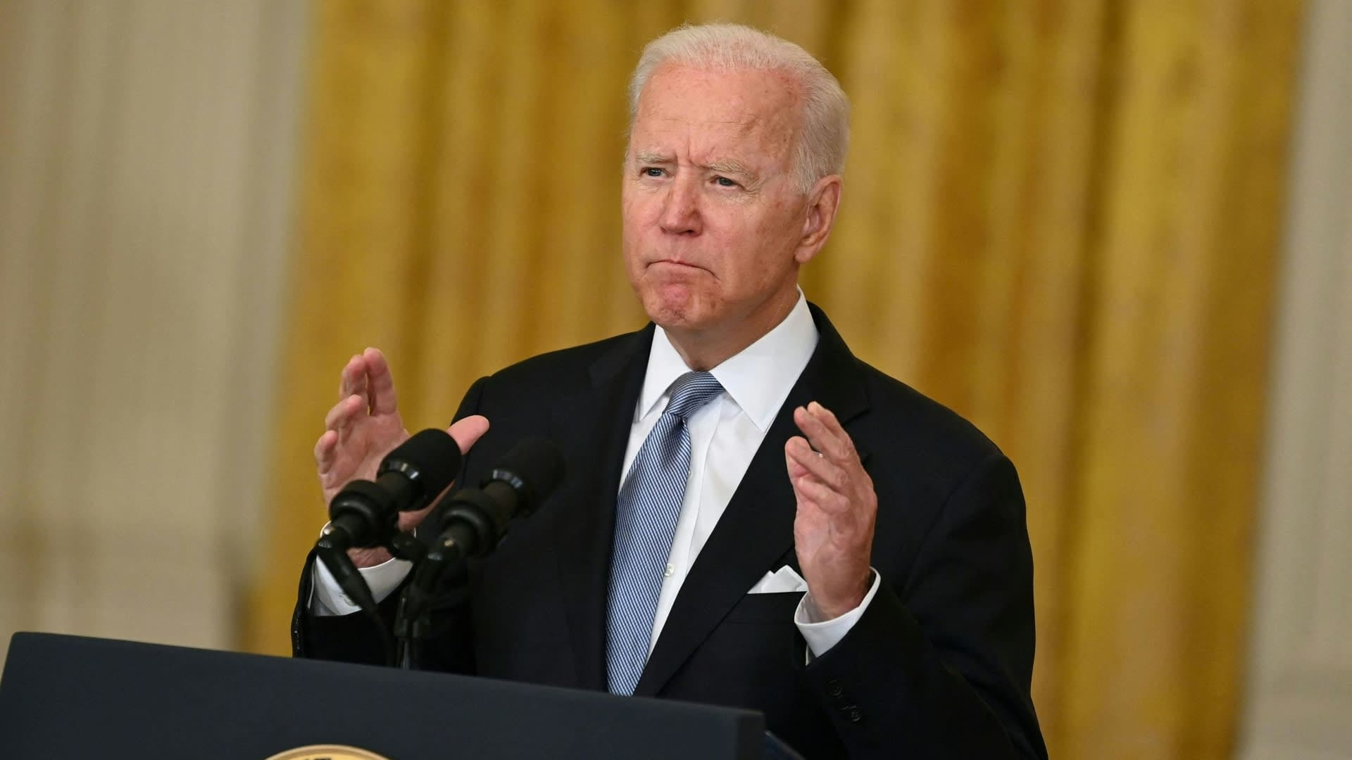Joe Biden puhuu Valkoisessa talossa Afganistanin tilanteesta.