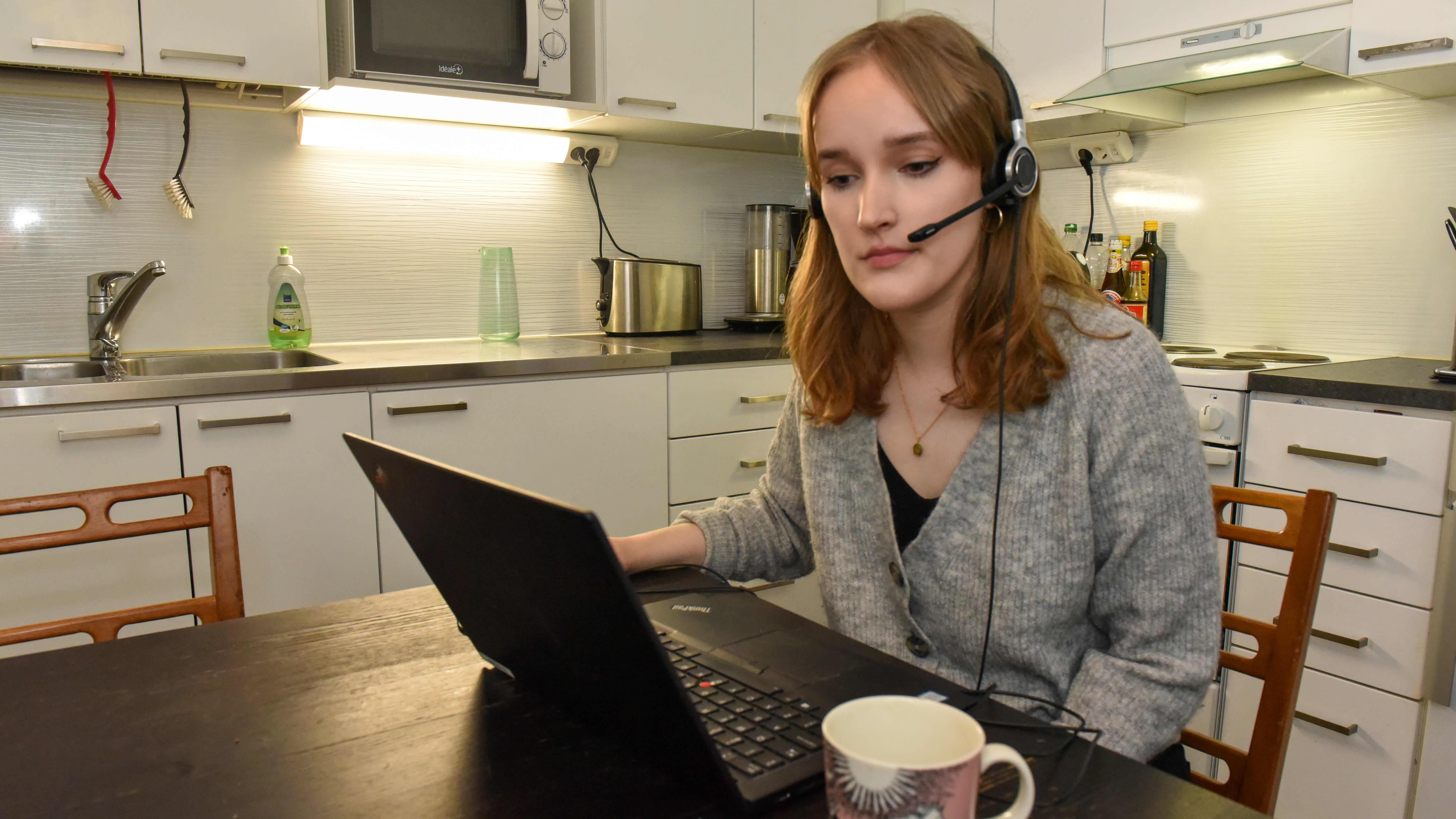 Opiskelija Maria Filippenkova tekee etätöitä ensimmäistä kertaa oman alan töissä.