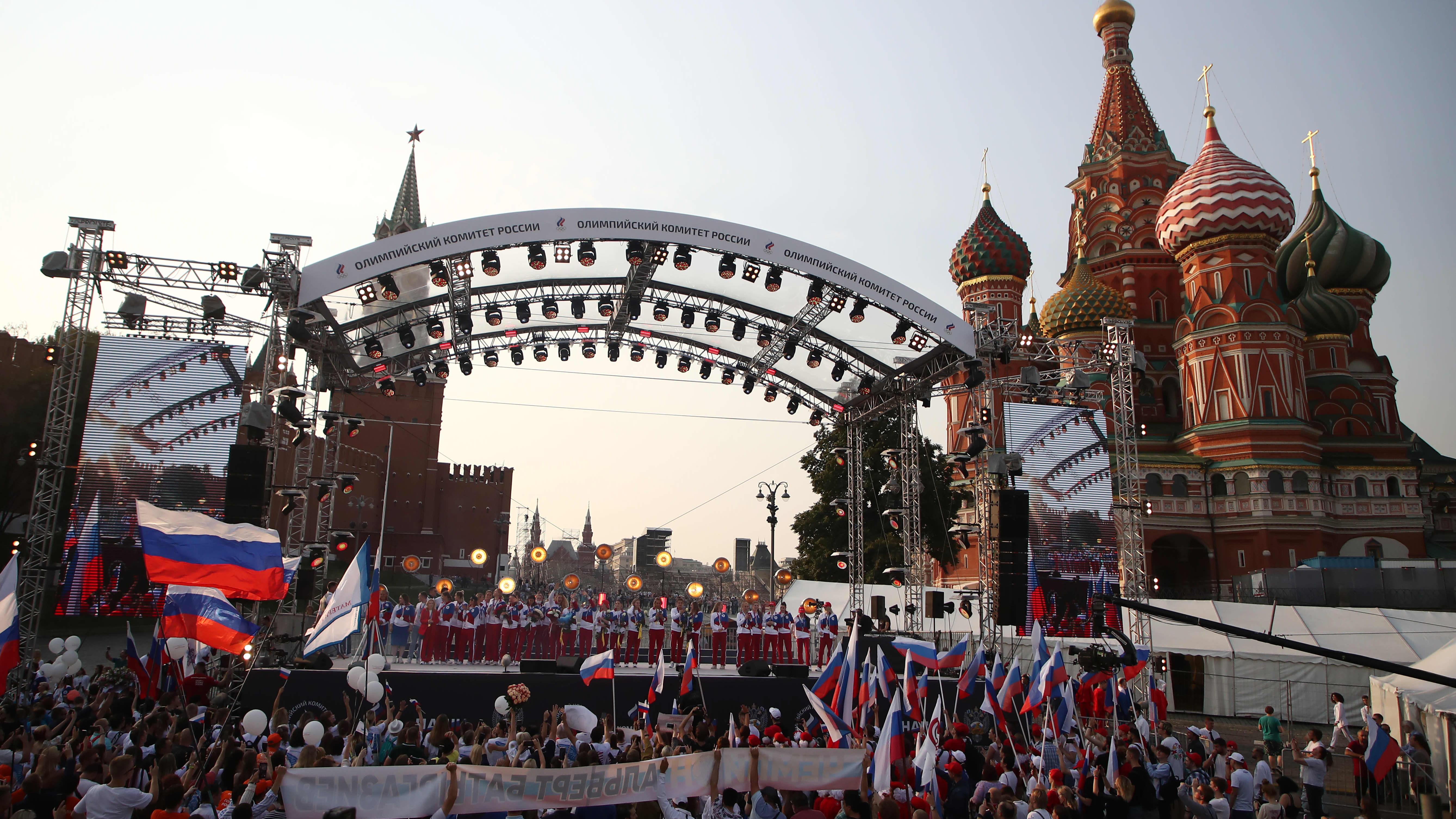 Venäläisurheilijat saivat todella lämpimän vastaanoton Moskovassa!