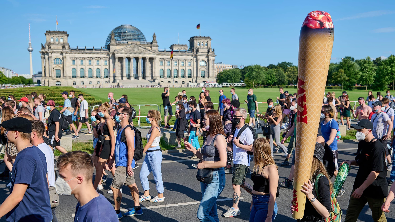 Hamppuparaati Berliinissä elokuussa 2021.