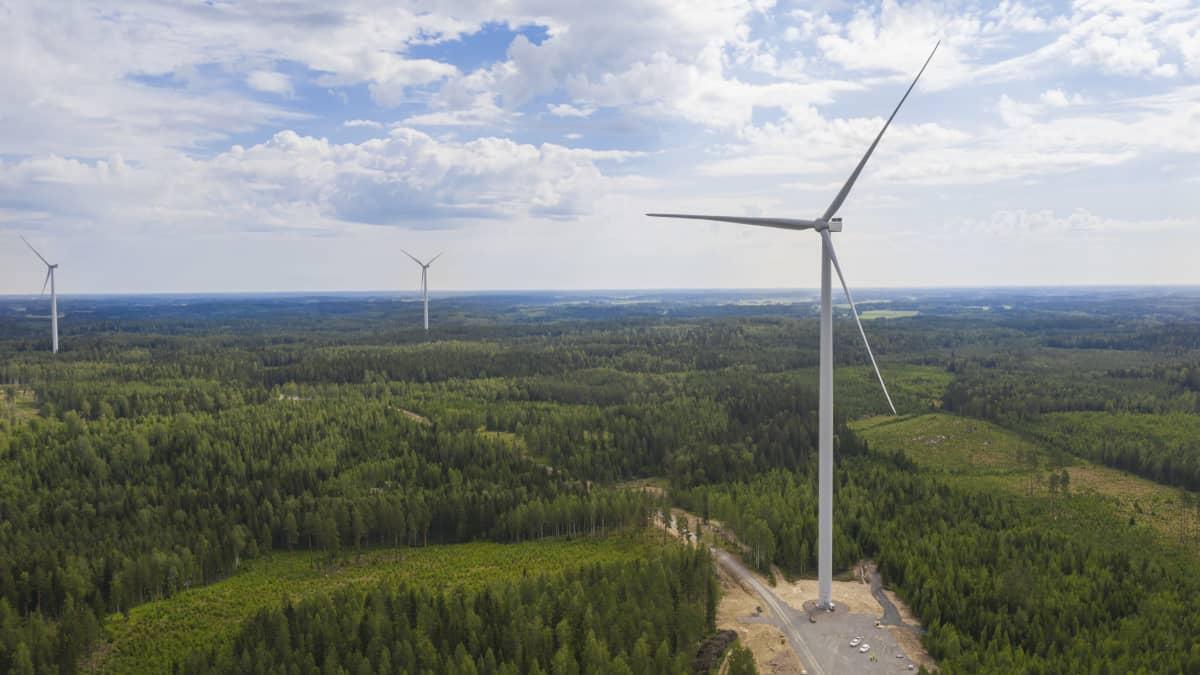 Tyrinselän tuulivoimala.