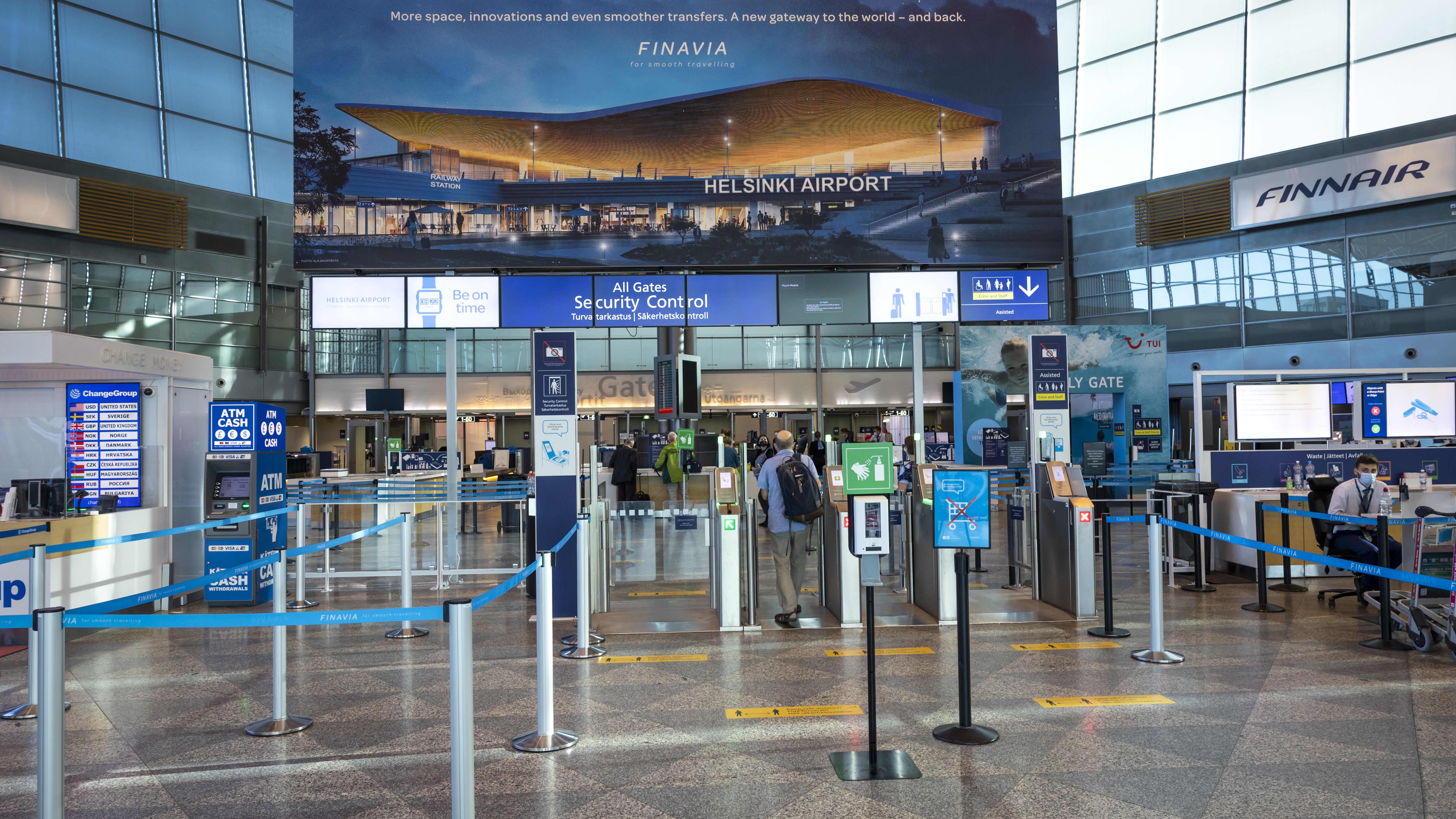 Helsinki-Vantaan lentoaseman lähtöaula.