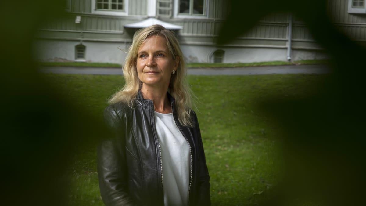 Nuorisogynekologi Elina Holopainen.