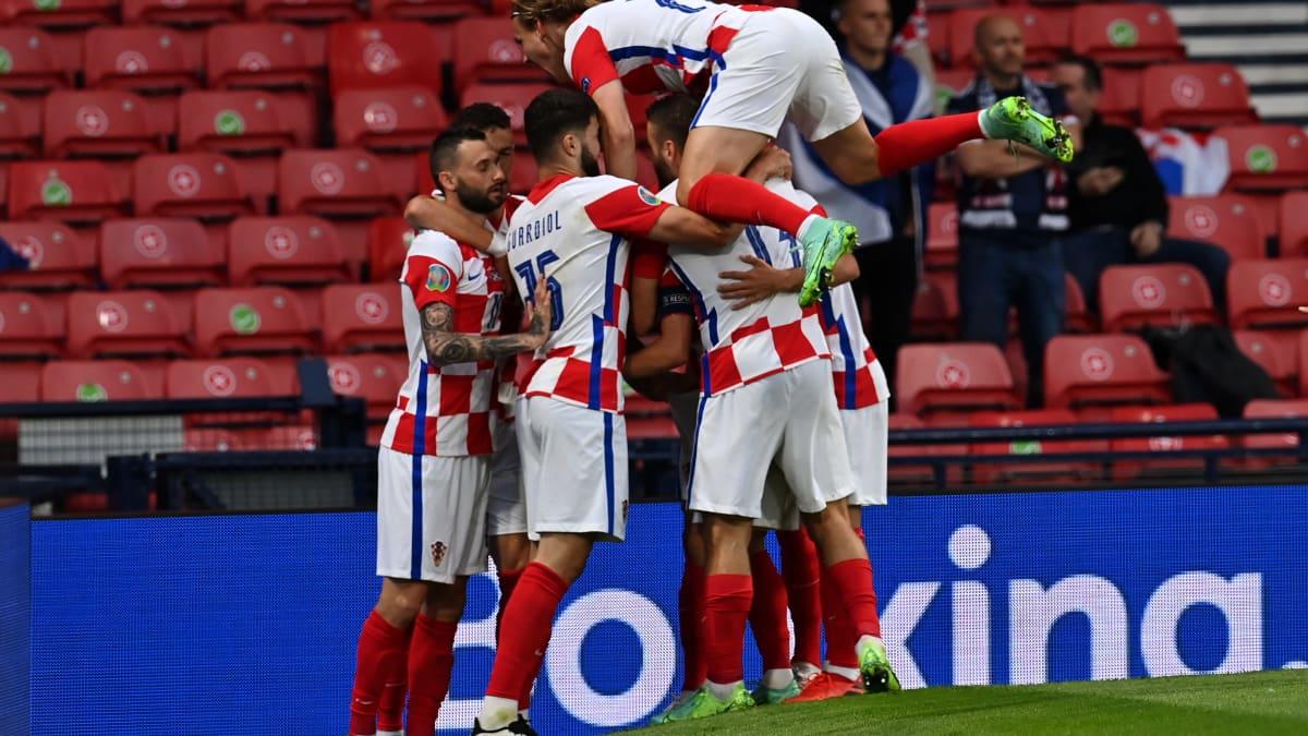 Luka Modrić laukoo Kroatian johtoon