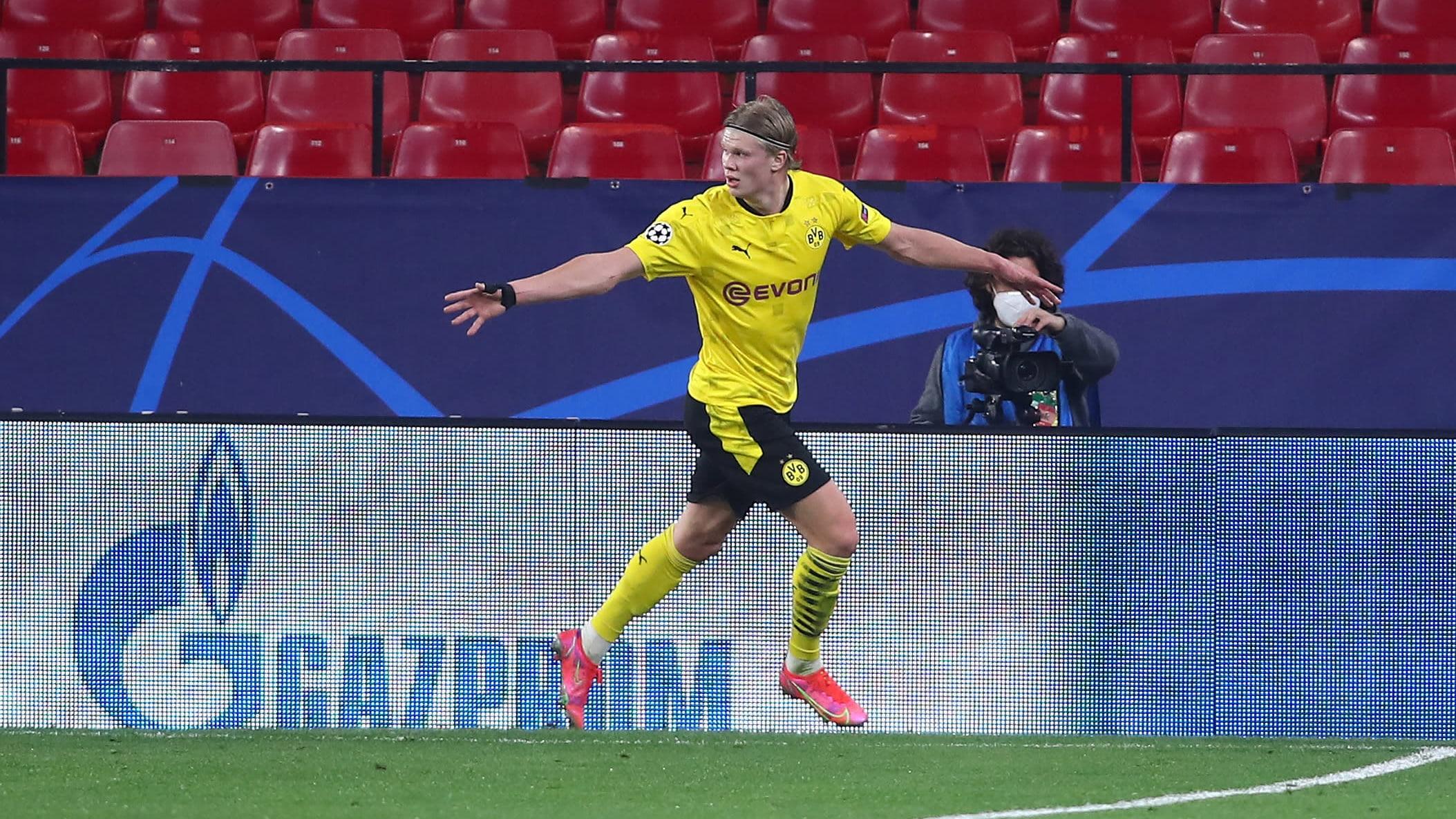 Erling Braut Håland maalinteossa Mestarien liigassa Sevillaa vastaan 2021.
