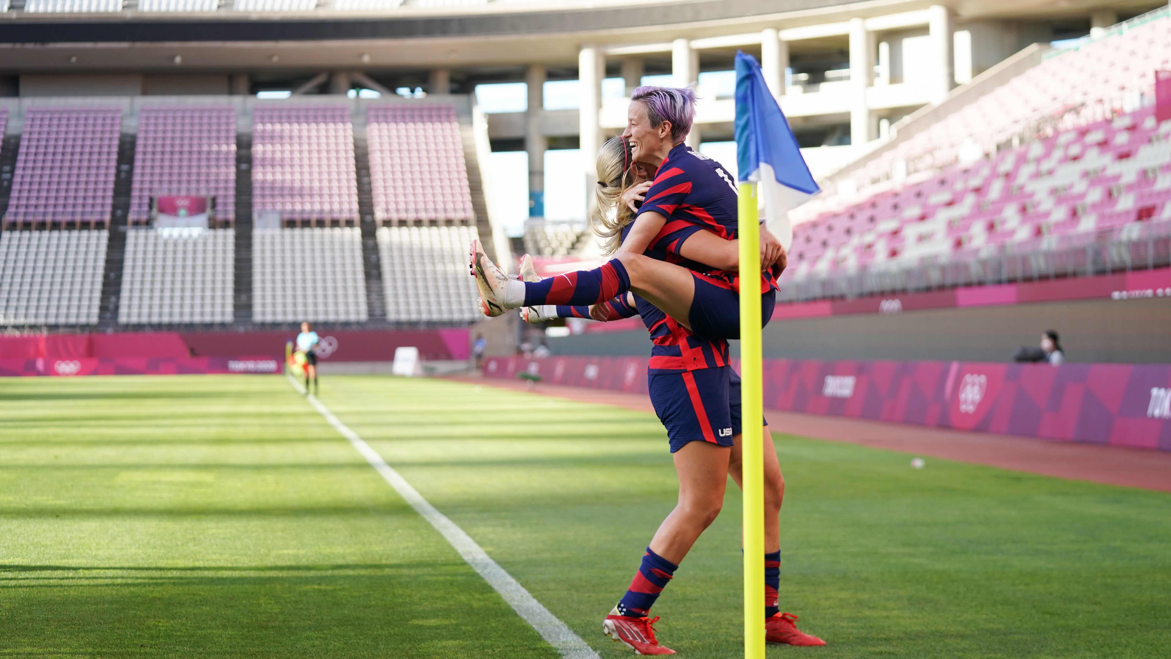 Yhdysvaltoihin jalkapallon olympiapronssia! Katso, kuinka Megan Rapinoe laukoo maalin suoraan kulmapotkusta