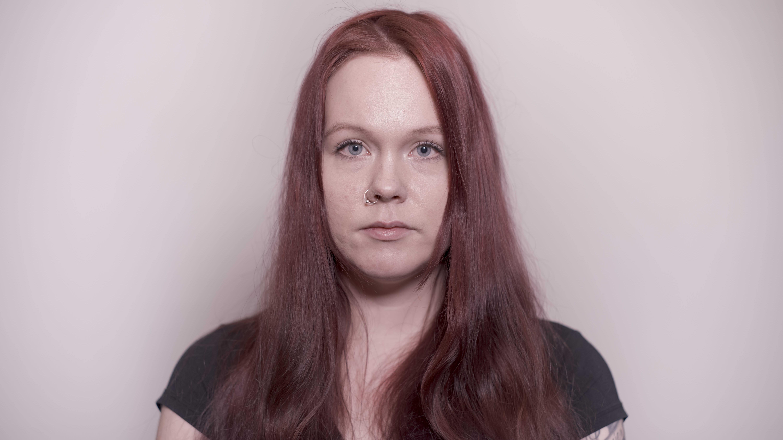 Noora Kyllönen henkilökuvassa.