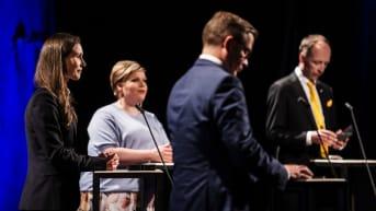 Ääntenlaskentaa seurattiin puolueiden puheenjohtajien kanssa Ylen tuloslähetyksessä Pasilassa.