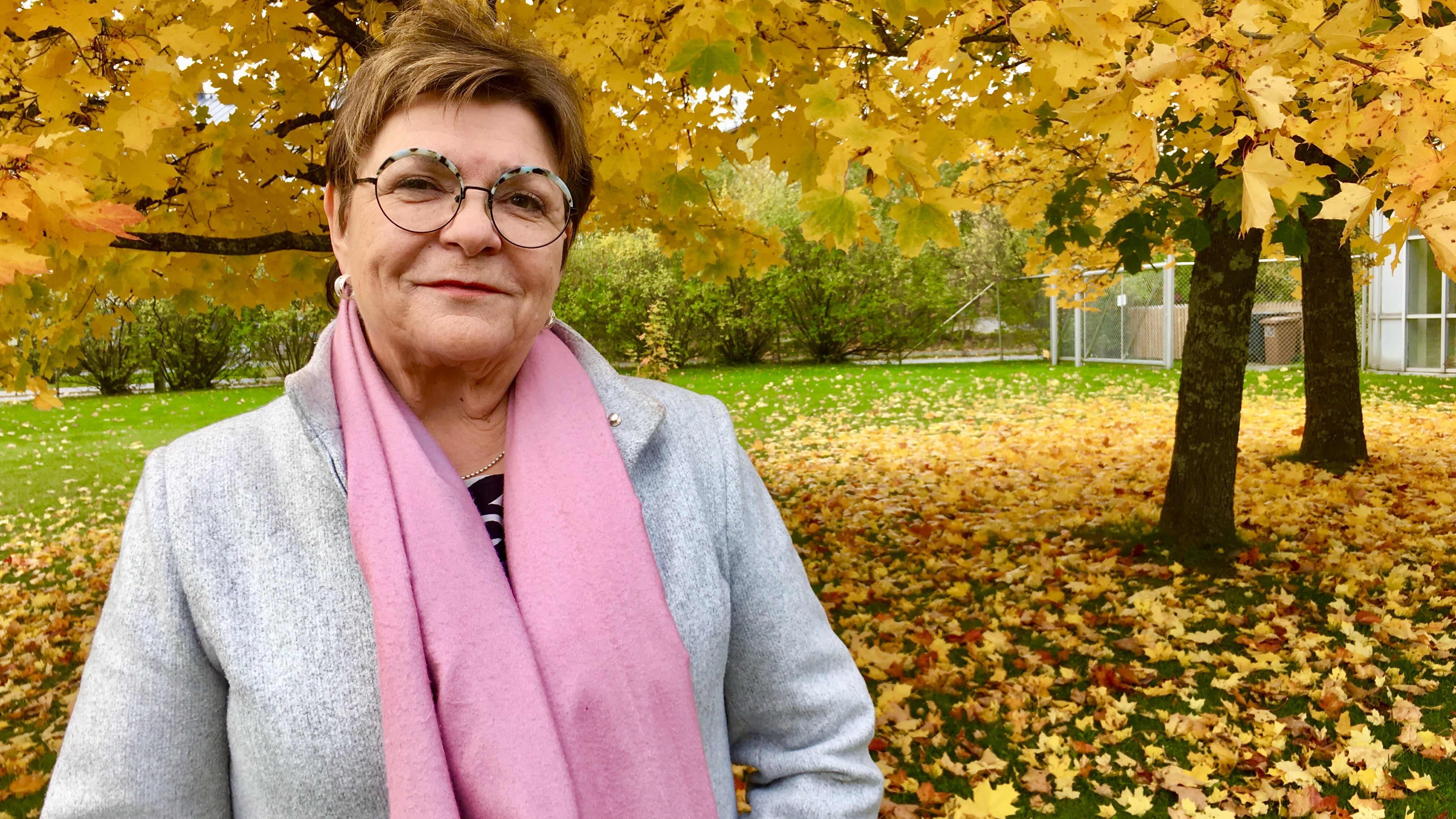 Kaupunginhallituksen puheenjohtaja Maria Tolppanen puolustaa kirjoituksiaan, joissa vaaditaan tyttöjä ajattelemaan pukeutumistaan