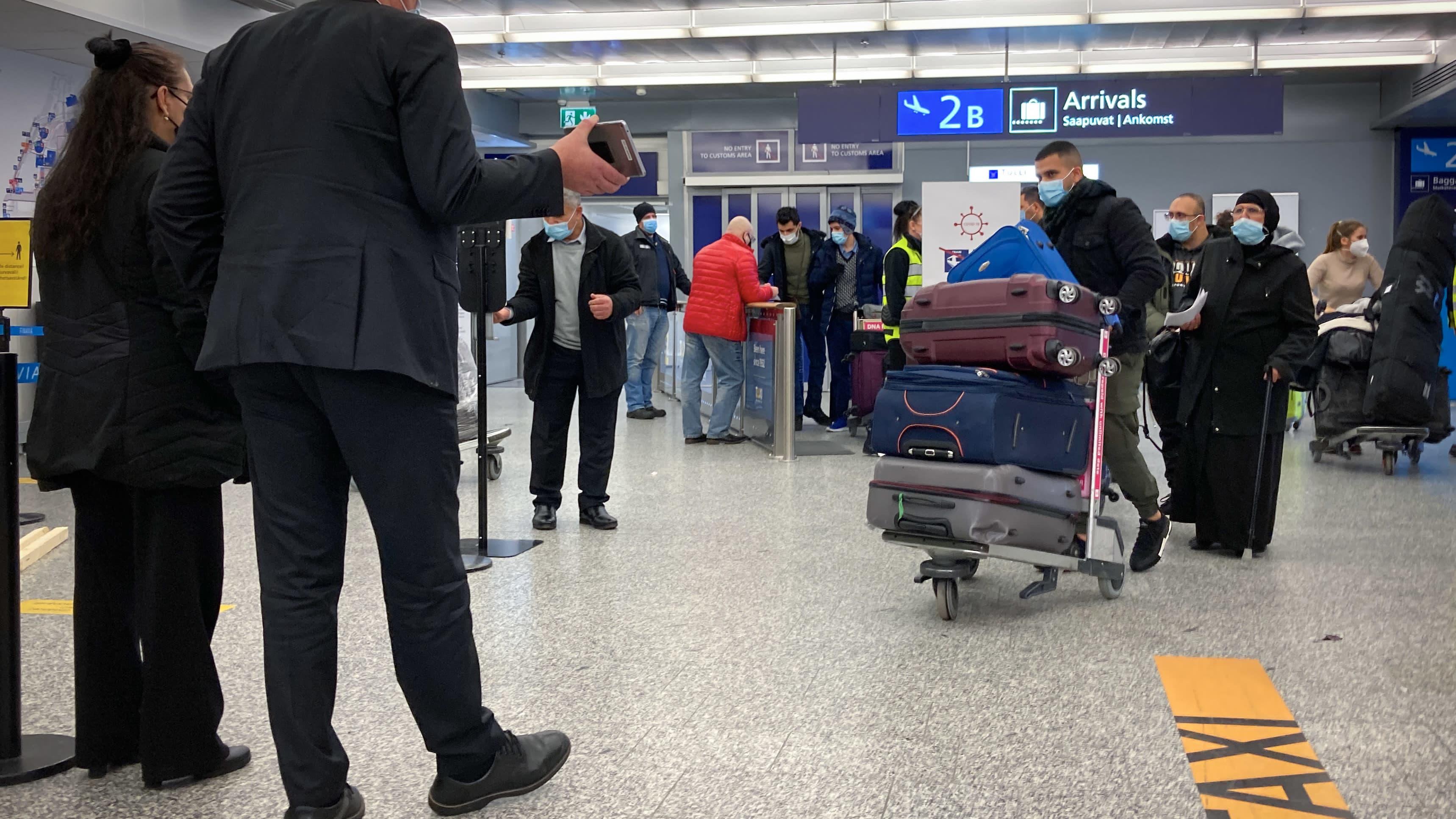 Saapuvien aula Helsinki-Vantaan lentokentällä.