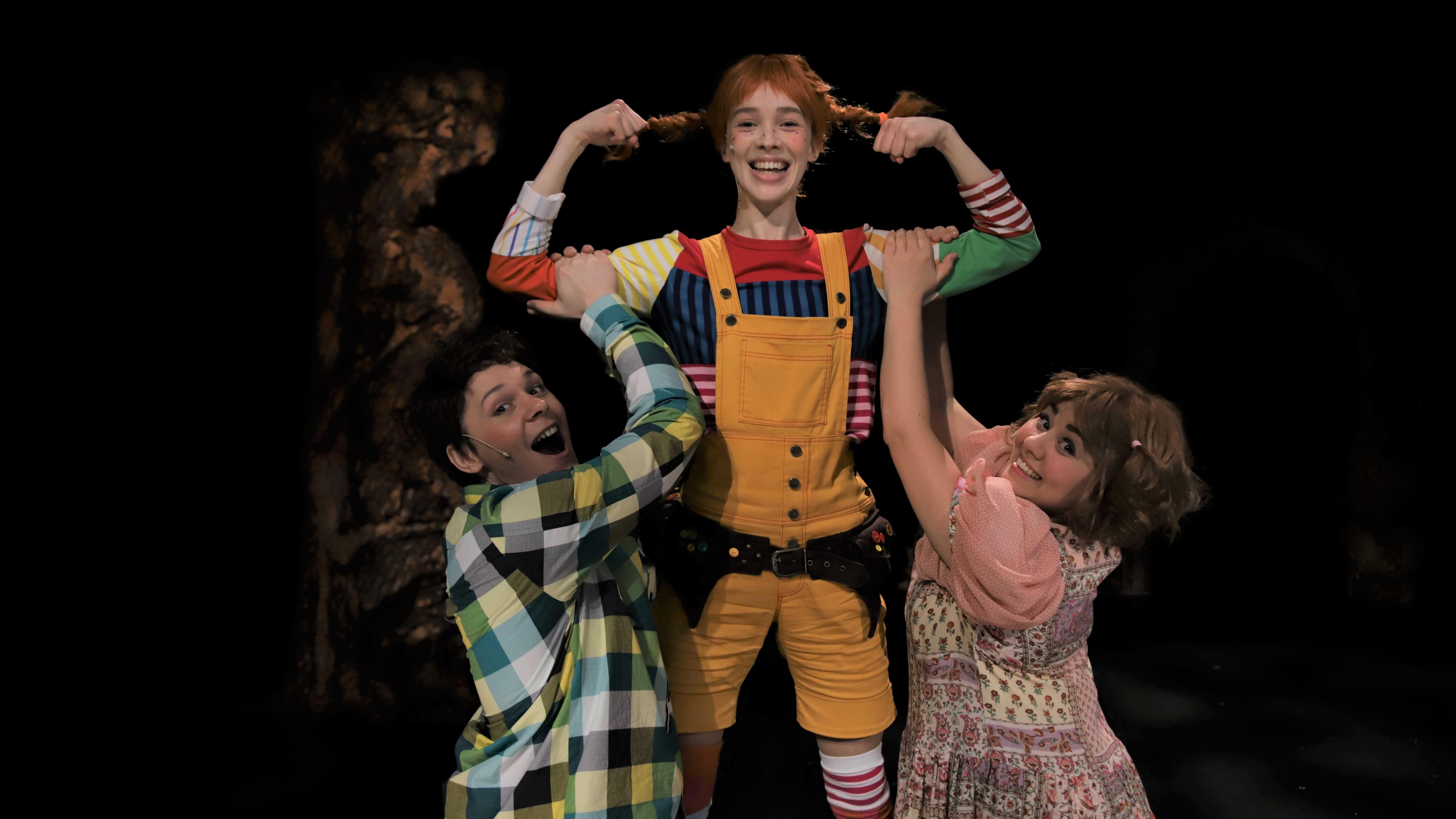 Peppi, Tommi ja Annika voimailevat Seinäjoen kaupunginteatterin lavalla
