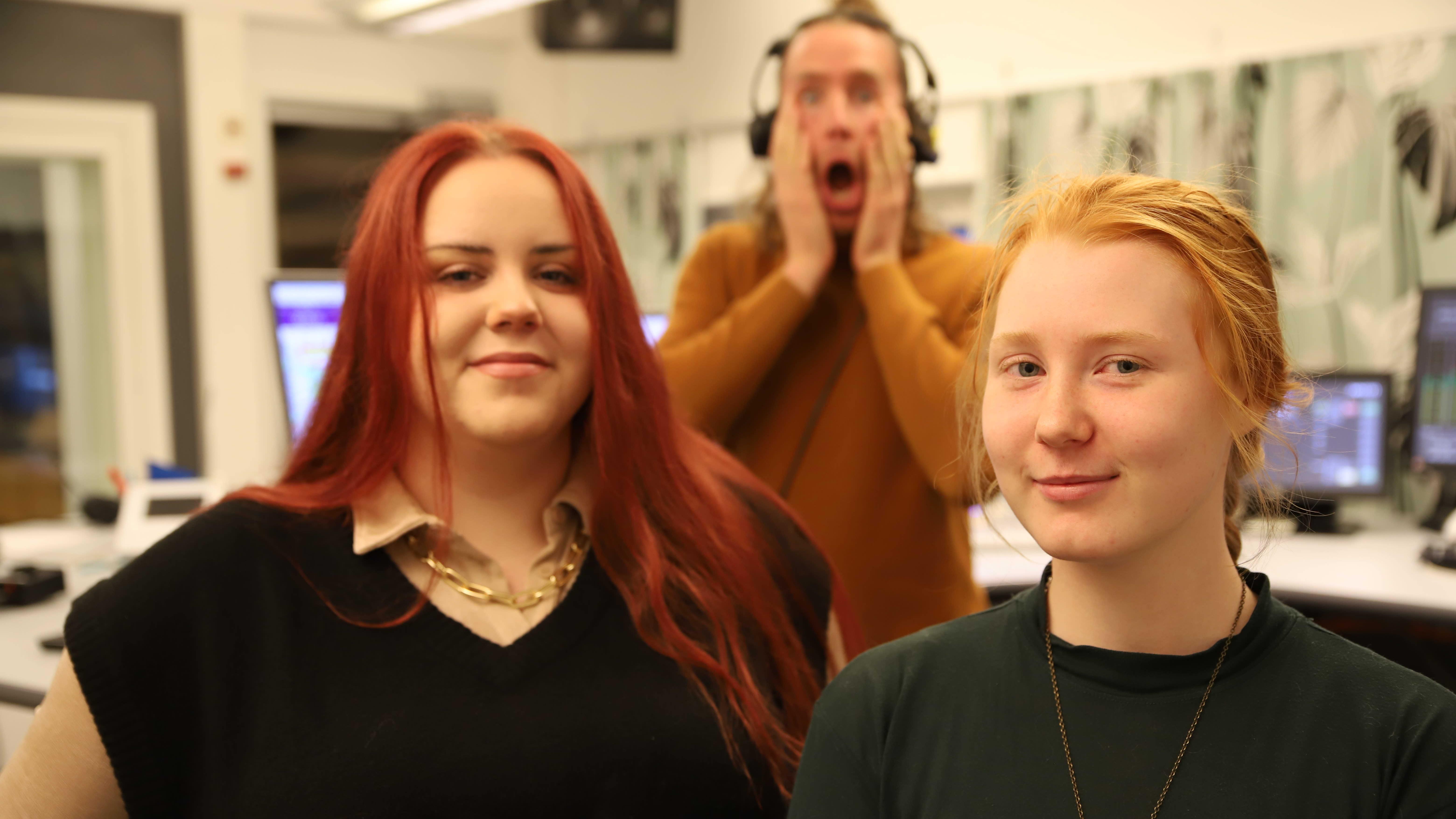 Tytöt ottivat vallan Yle Porin studiossa