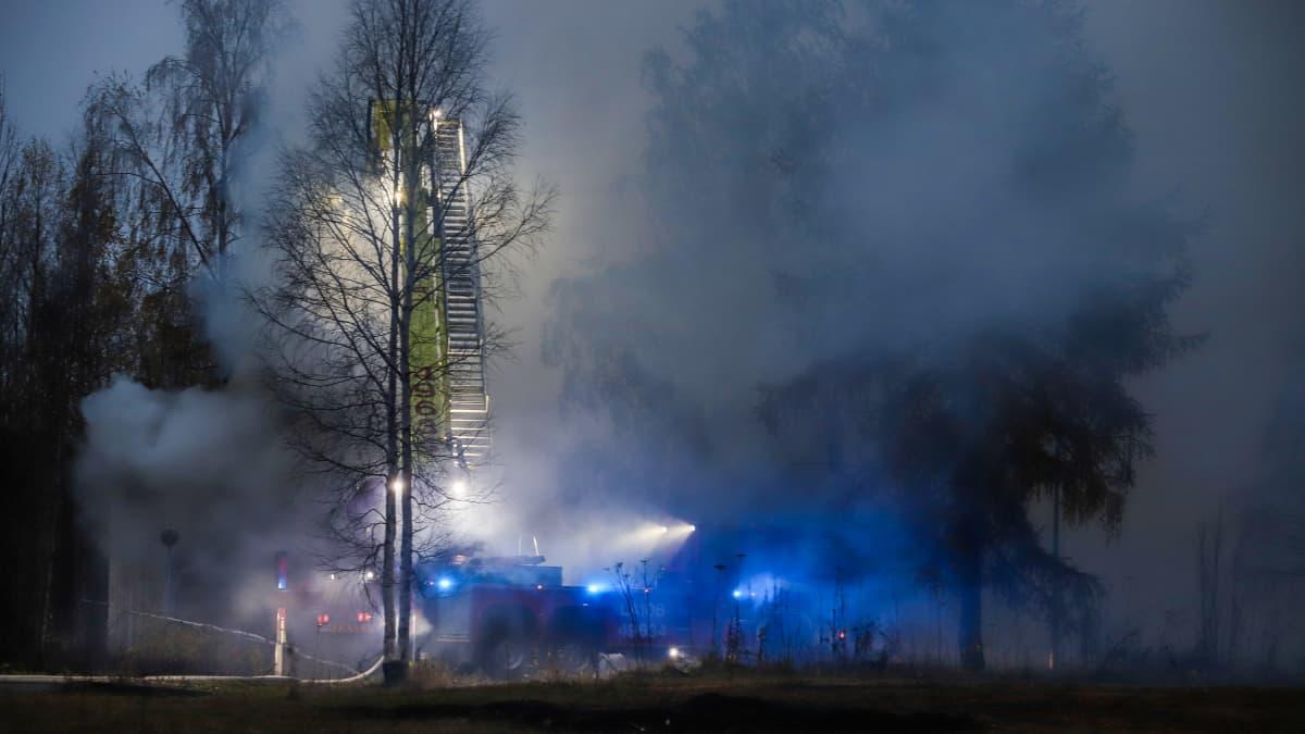 Vanha päiväkoti tuhoutui tulipalossa Torniossa