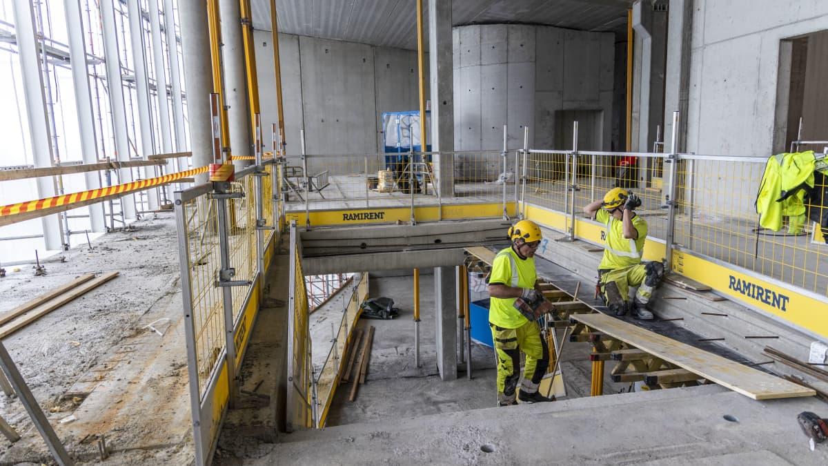 Katso videolta, miltä Kuopion uuden taidelukion rakennustyömaalla näyttää.