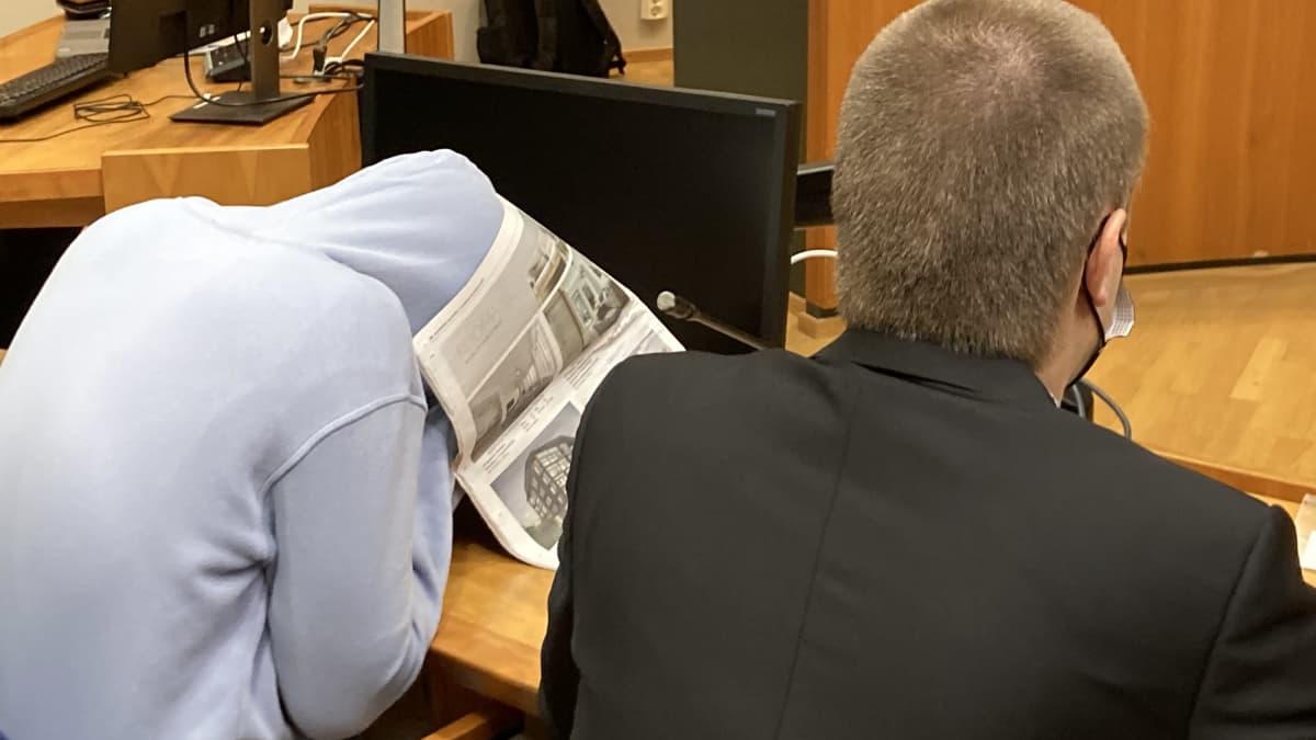Syytetty peitti kasvonsa Nokian kuolonkolarin oikeudenkäynnissä