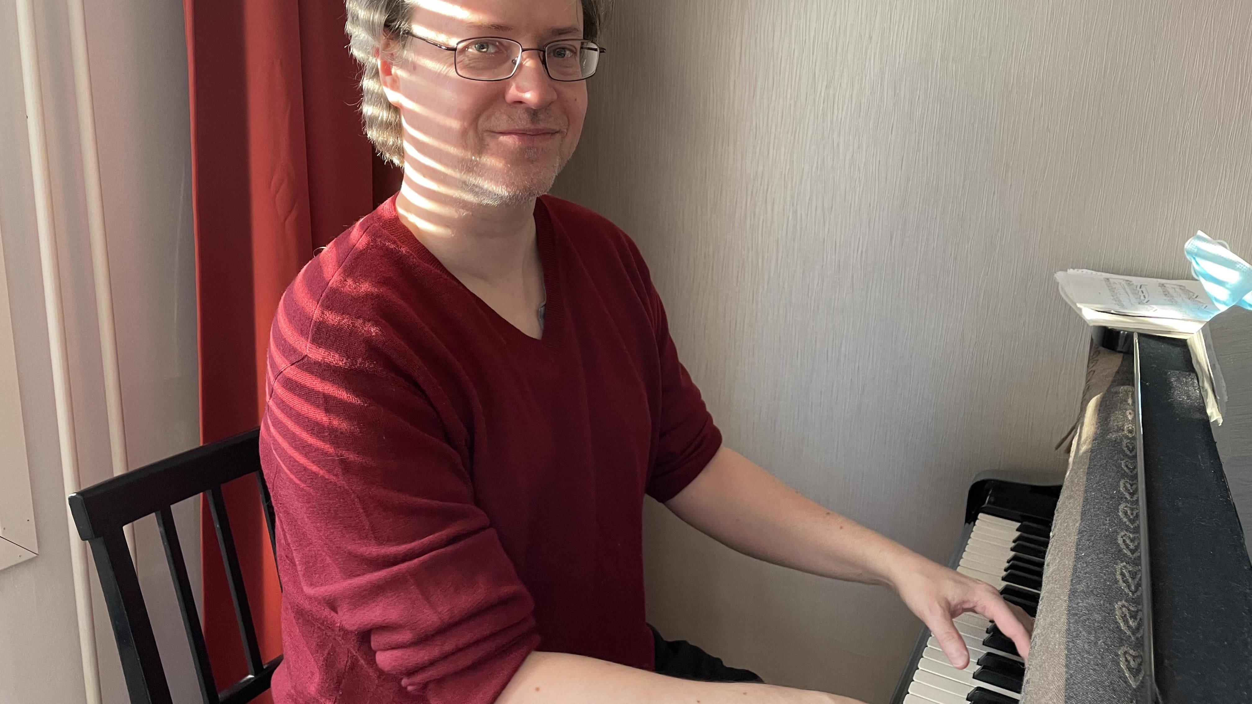 Huippupianisti, Oulunsalo Soi -festivaalin vuoden 2022 taiteellinen johtaja Mika Rännäli.
