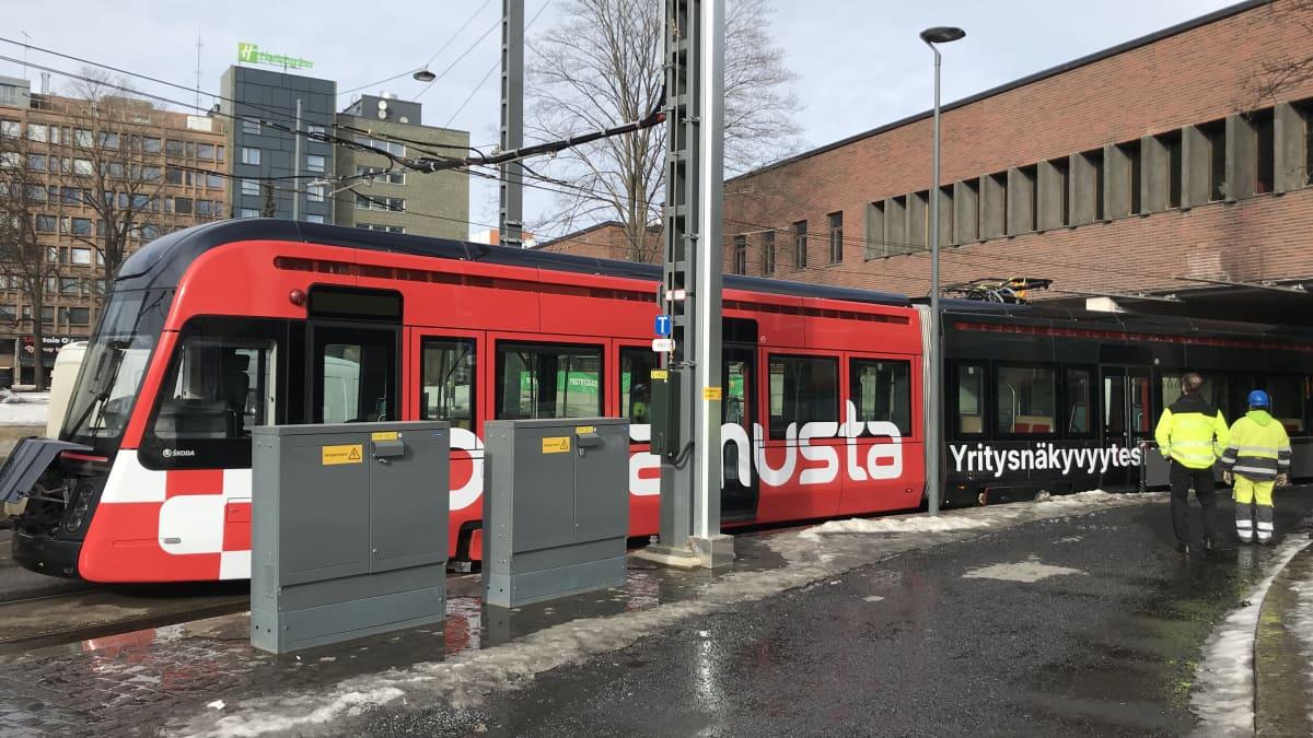 Tampereen ratikan matka tyssäsi keskellä kaupunkia