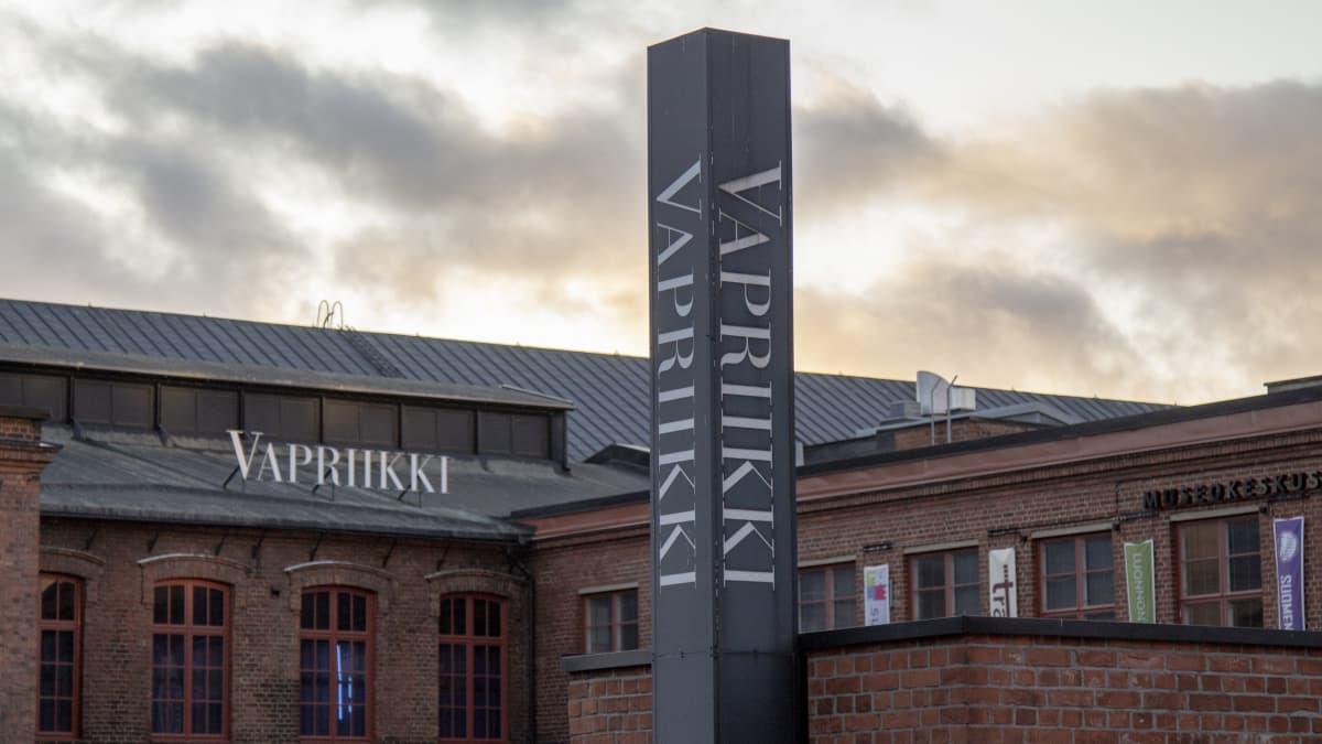Ritarinäyttelyä kootaan museokeskus Vapriikissa Tampereella
