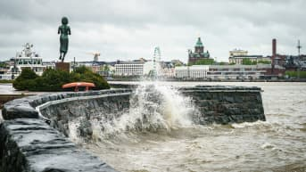Ukkosrintama lähestyy Uuttamaata ja Helsinkiä