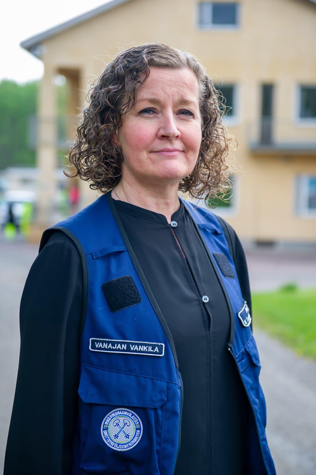 Vanajan avovankilan johtaja Kaisa Tammi-Moilanen.