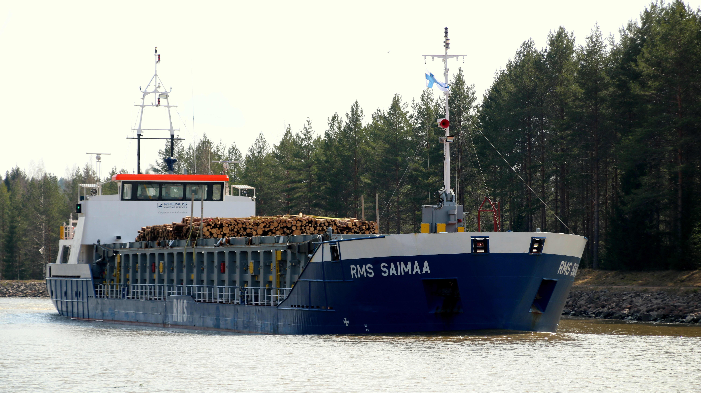 Rahtialus RMS Saimaa matkalla Saimaan kanavalla