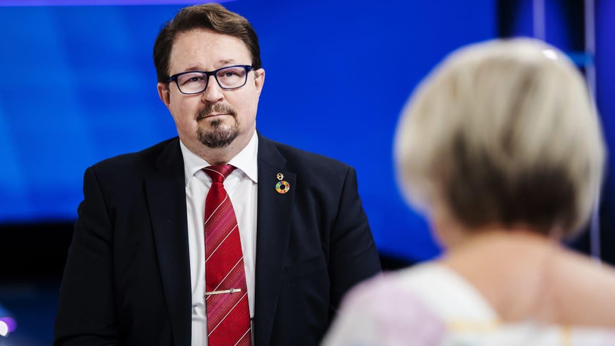 Mika Salminen vieraili Ylen Ykkösaamussa Pasilassa 4. syyskuuta.