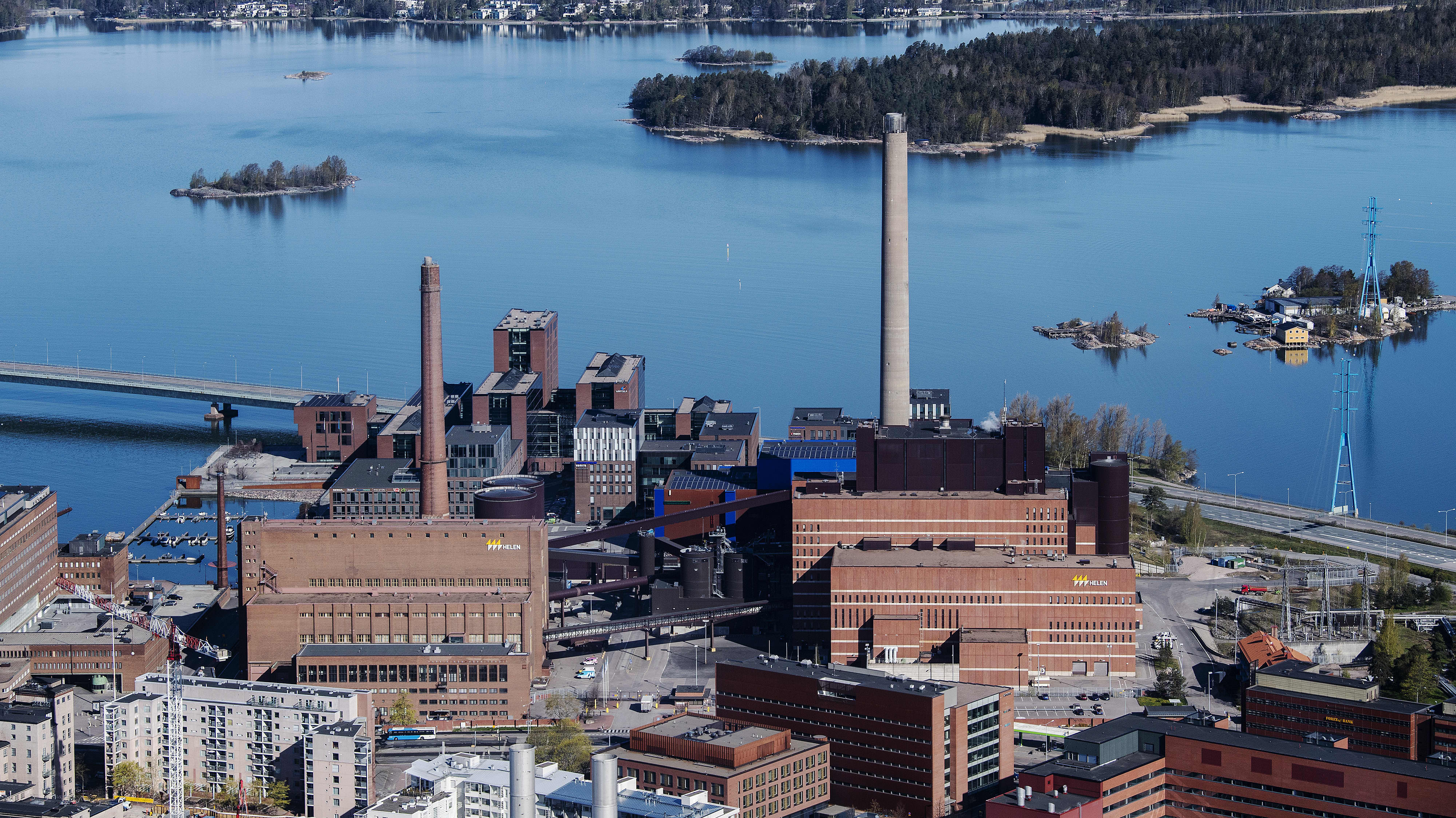 Ilmakuvassa on Salmisaaren voimalaitos.
