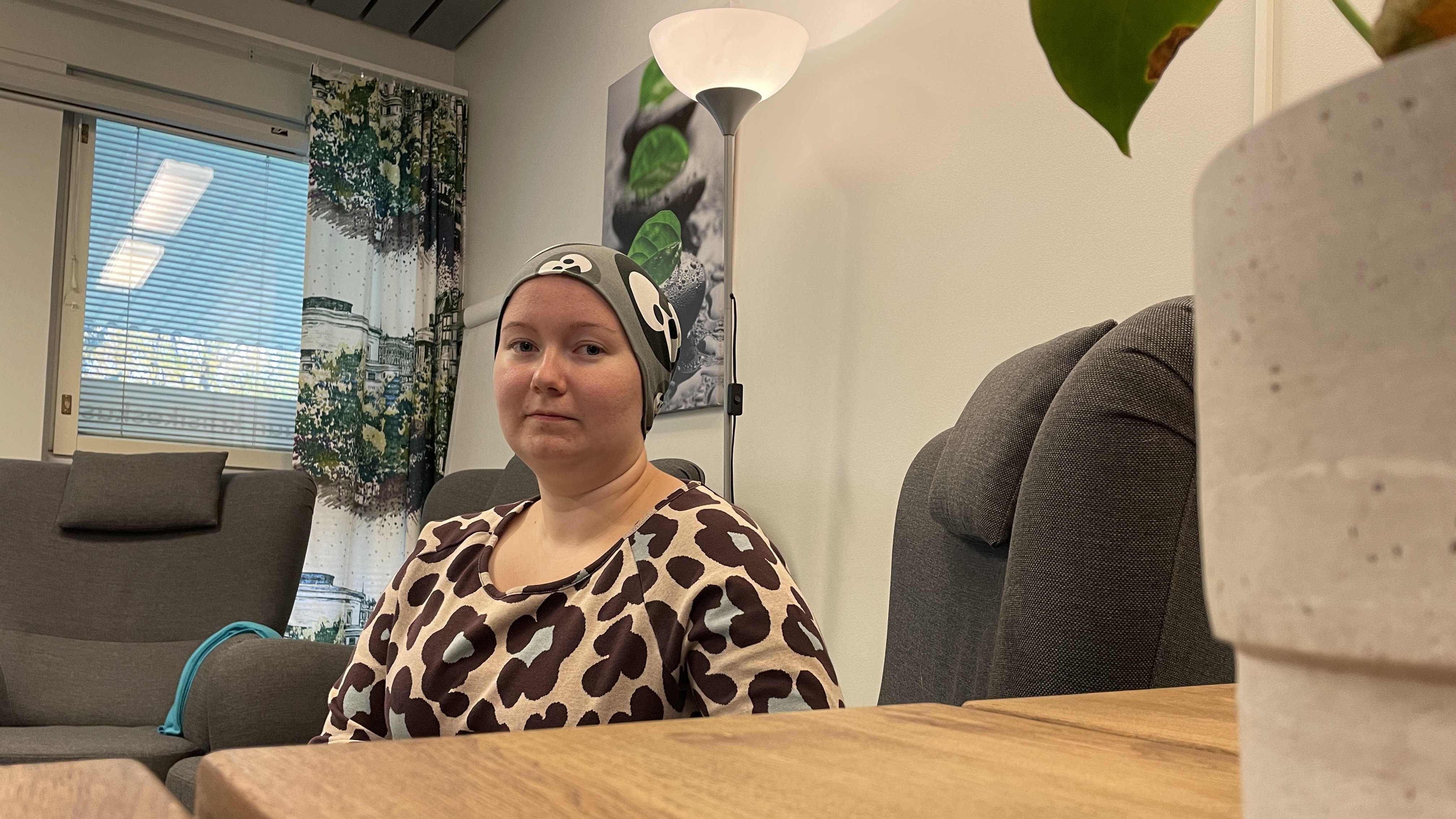 Roosa Huuskolla kesti viisi vuotta hakea apua kriisikeskuksesta, ja senkin jälkeen kynnys oli korkea