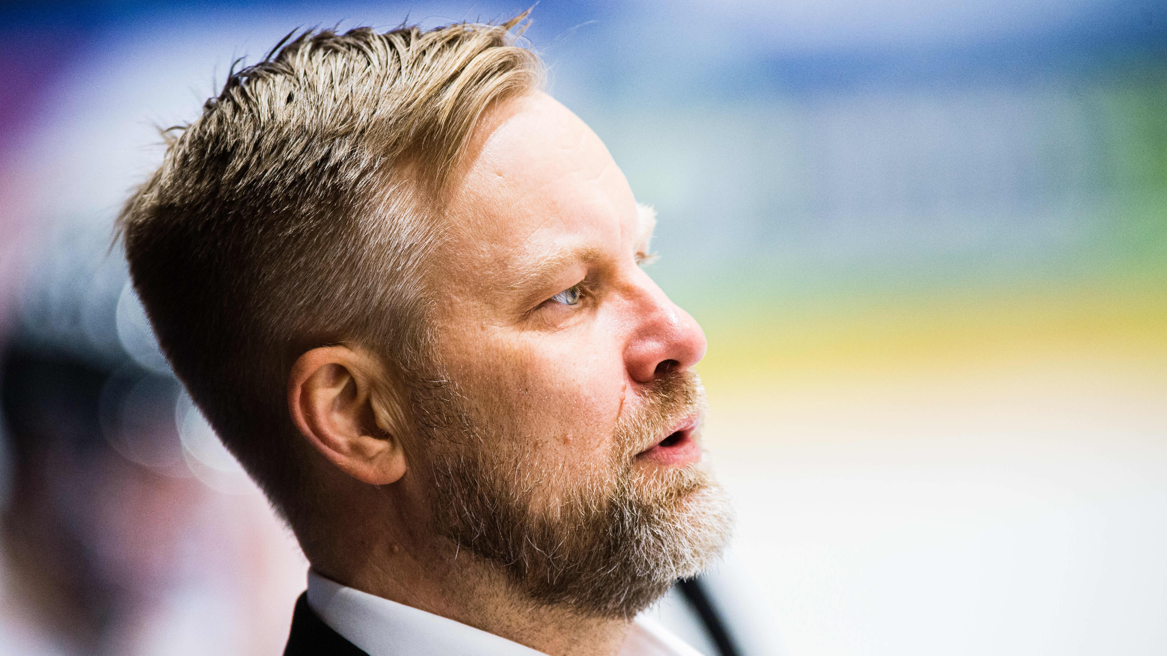 Mikko Manner fokuserar.