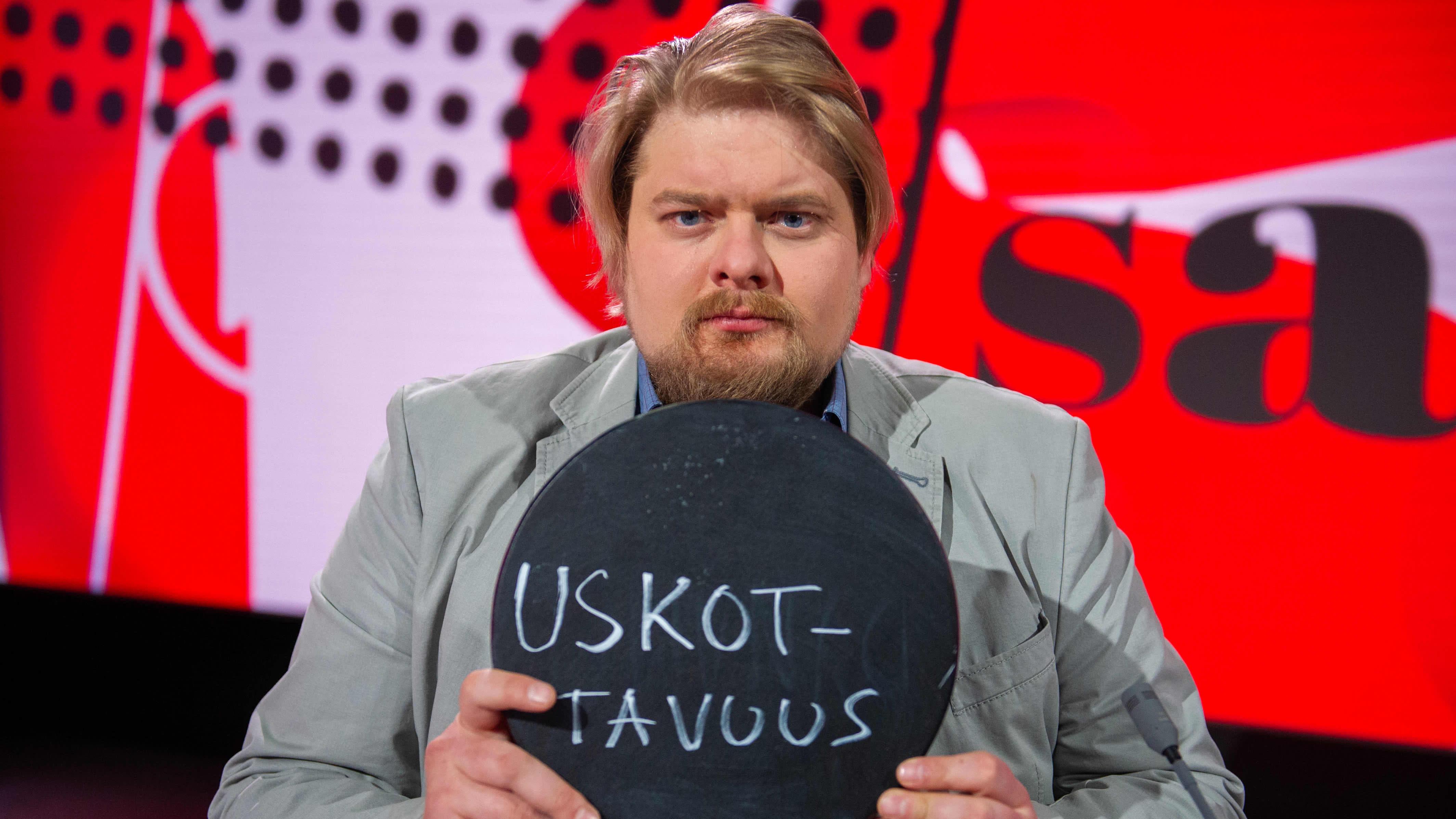 Toimittaja ja tietokirjailija Jarno Liski.