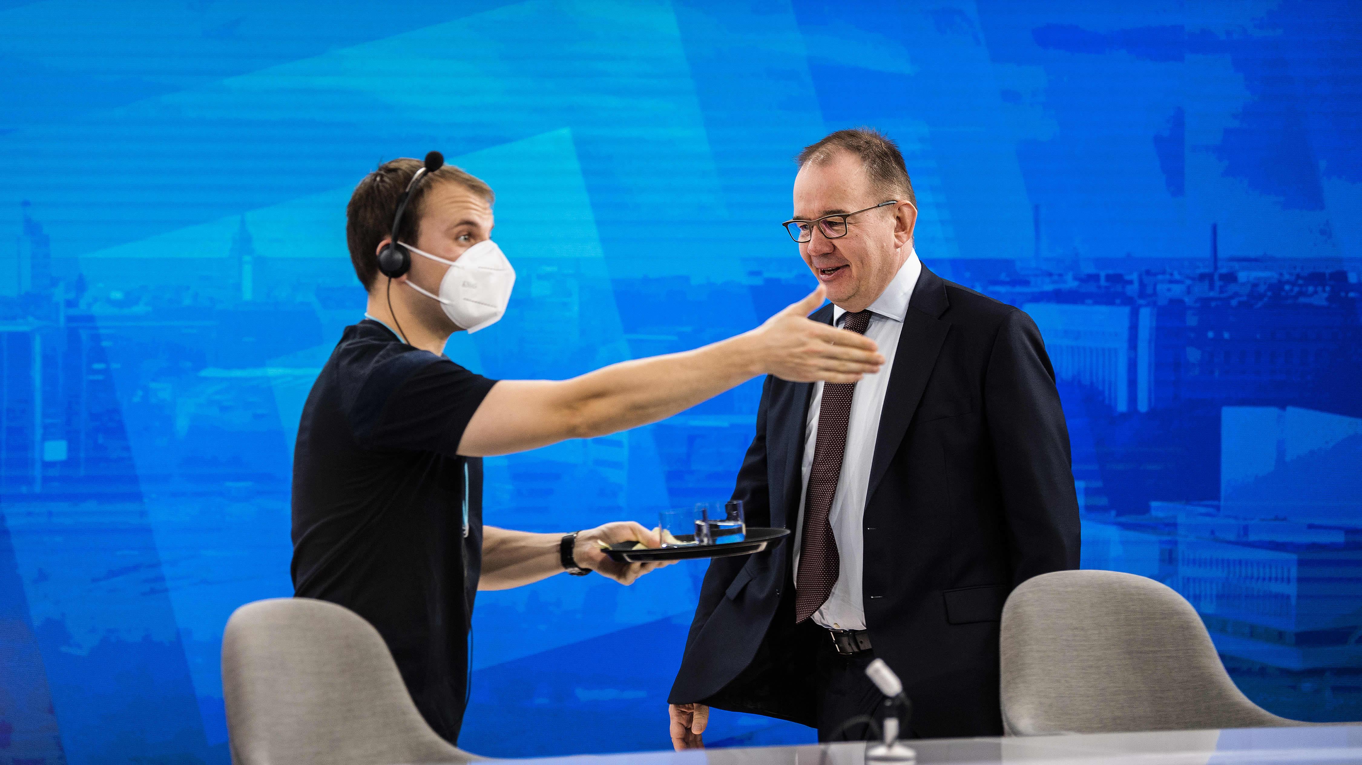 Kuvassa on Antti Pelttari Ylen aamussa 30. lokakuuta 2020.
