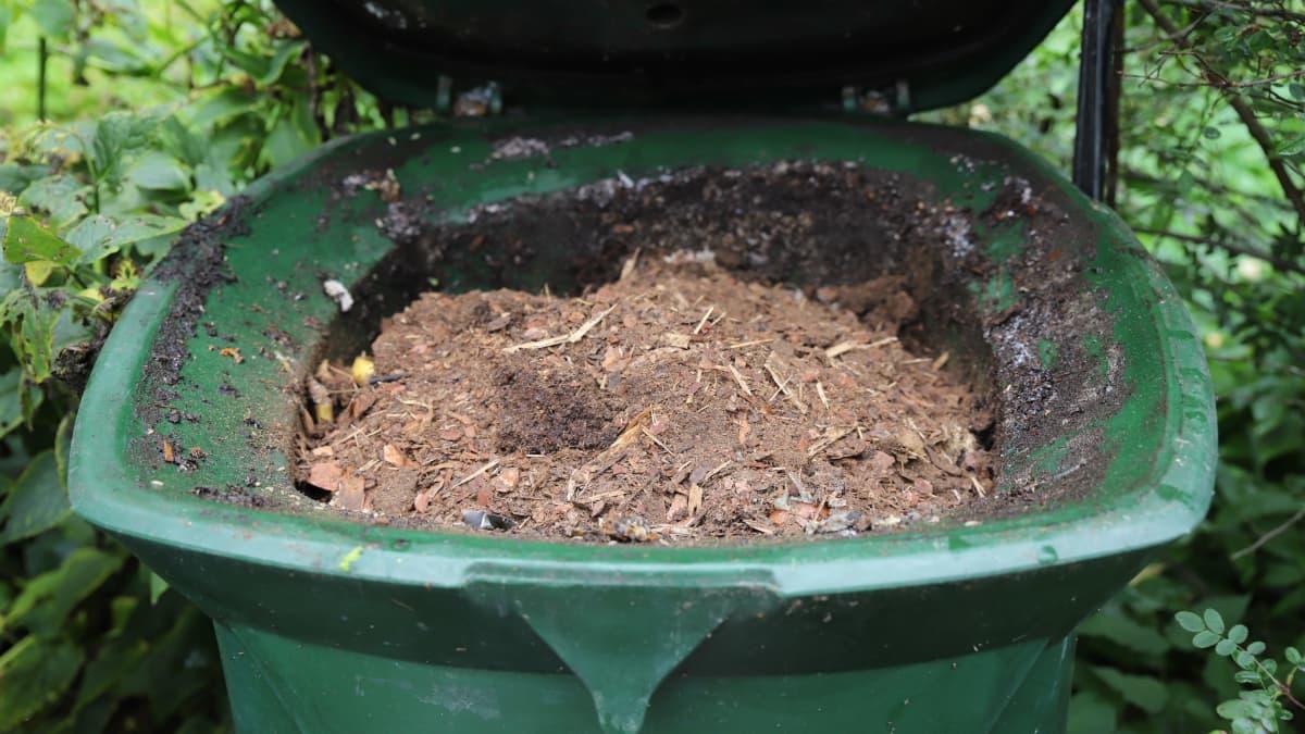 Biojätettä sekoittuu edelleen paljon sekajätteen joukkoon Kymenlaaksossa