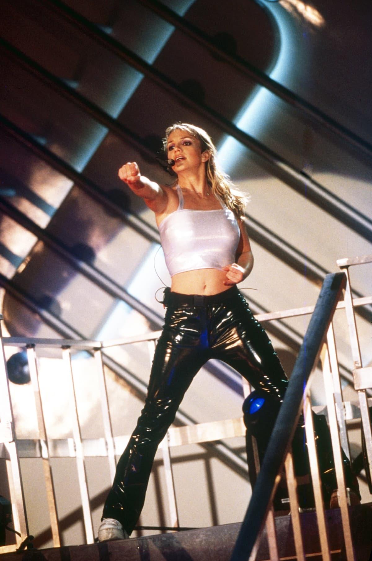 Britney Spears lavalla vuonna 1999.