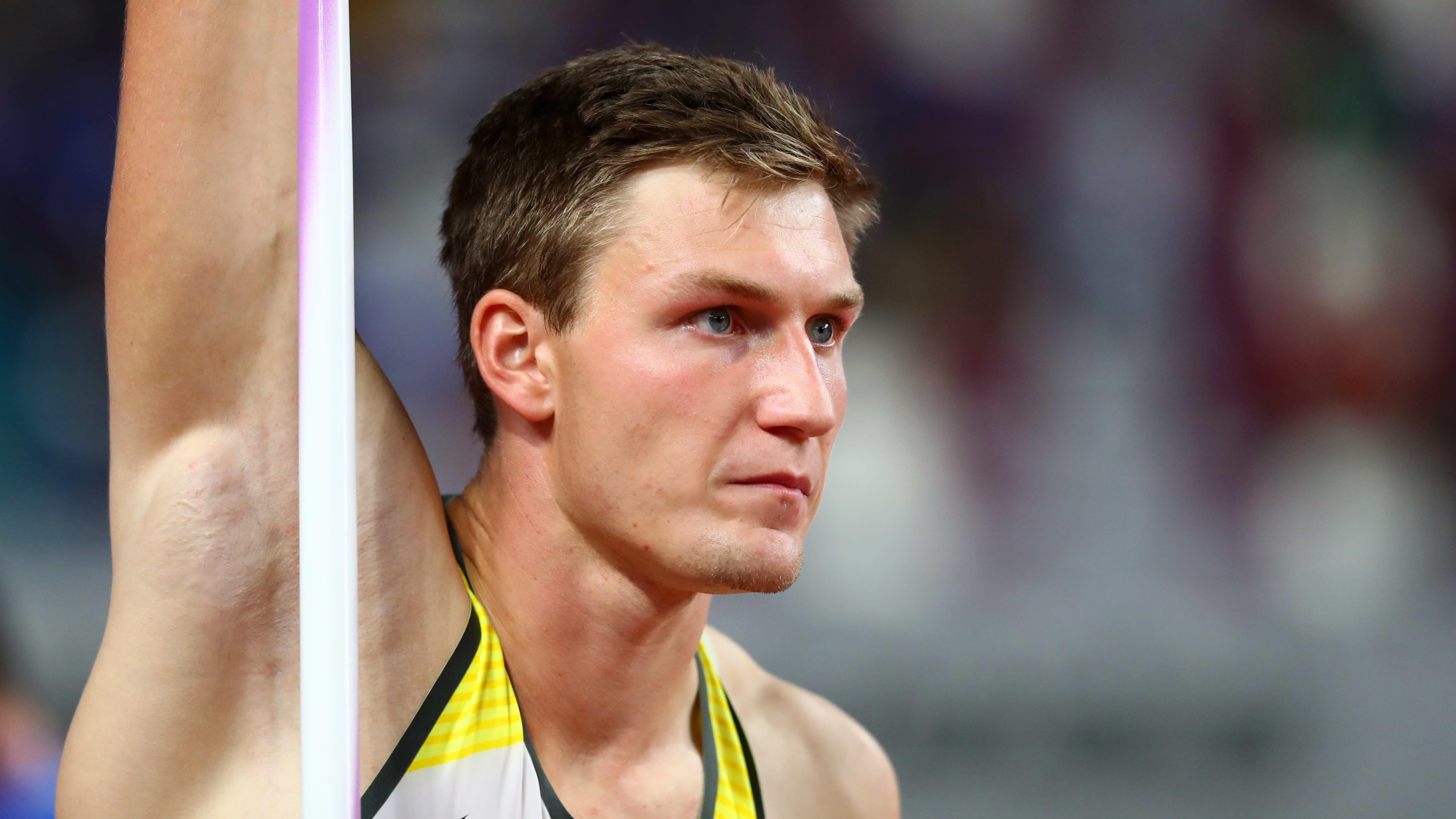 Thomas Röhler pettyneenä Dohassa vuonna 2019.