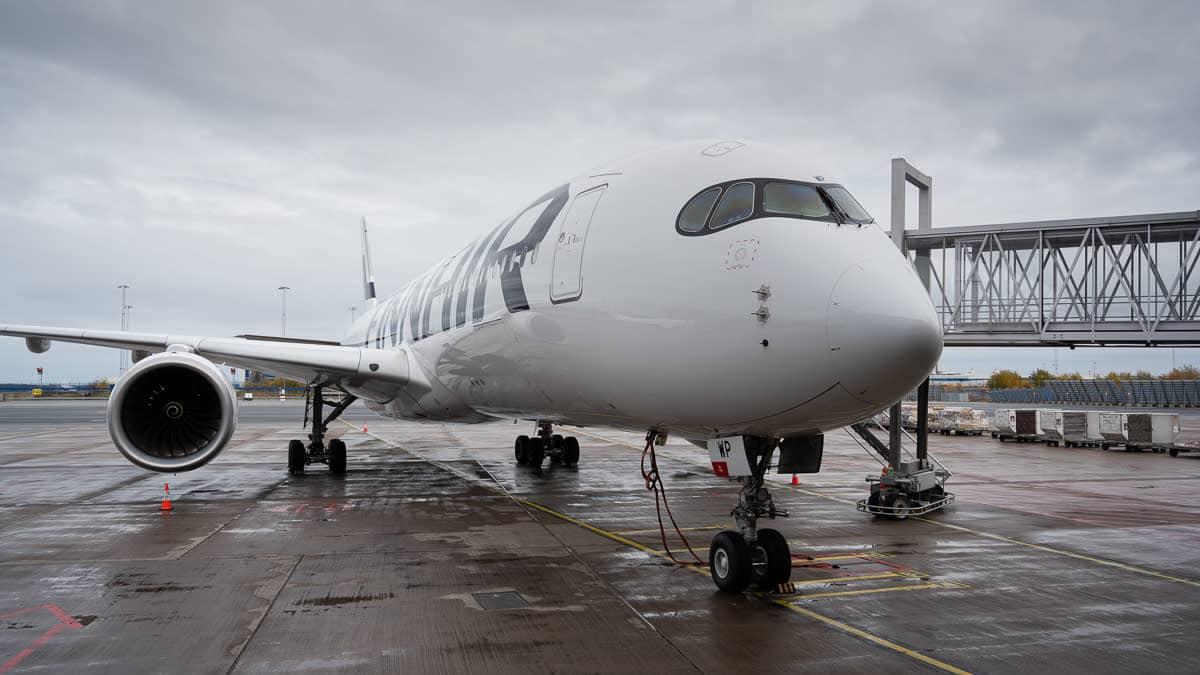 Finnair alkoi lentää kaukolentoja Tukholmasta - yhtiö harkitsee kolmen Airbus A350-sijoittamista Arlandaan