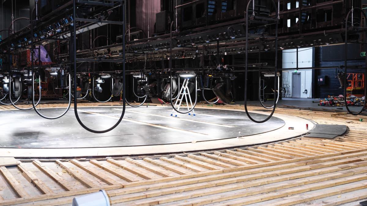 Kesäkuun myrskyn jälkiä korjataan Oulun teatterissa yhä, vahingot satoja tuhansia euroja