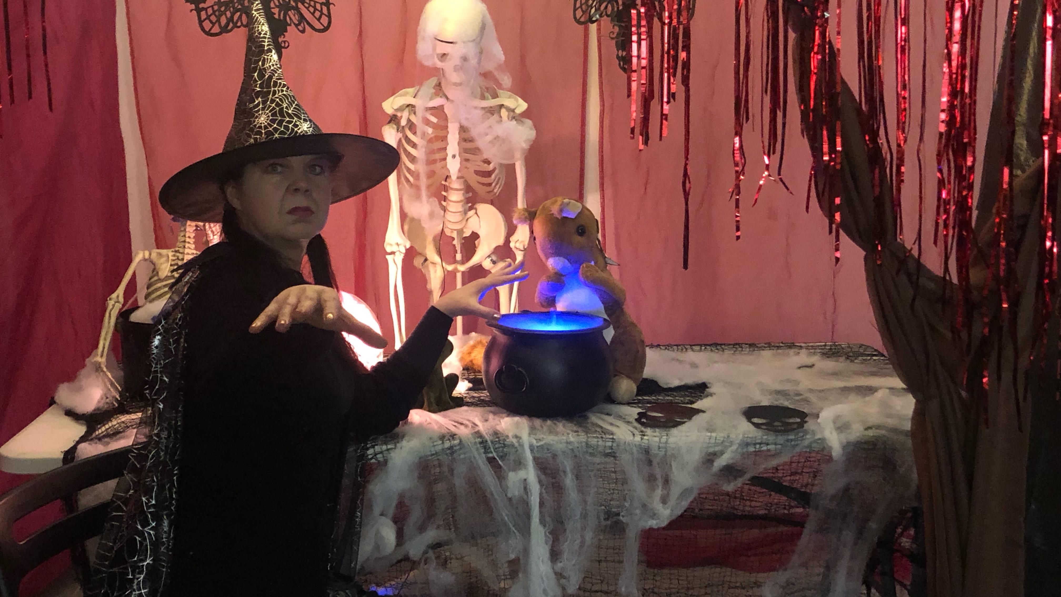 Halloween tuo piristystä syksyn harmauteen päiväkodeissa