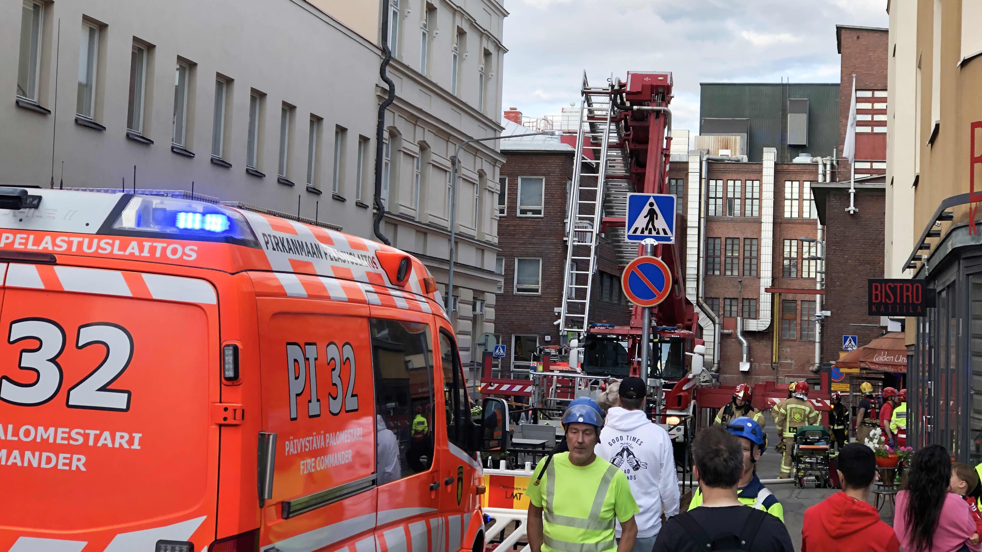 Kymmeniä evakuoitiin kerrostalopalon takia Tampereella