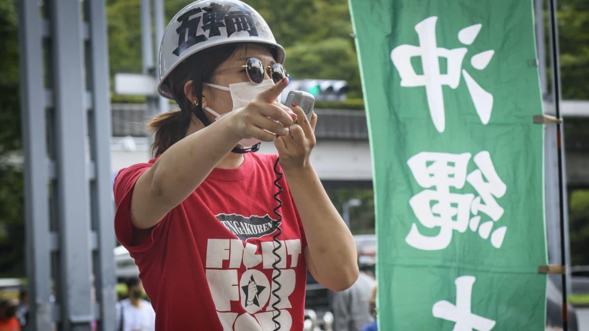 Kansalaisjärjestöt osoittavat mieltään olympialaisia vastaan