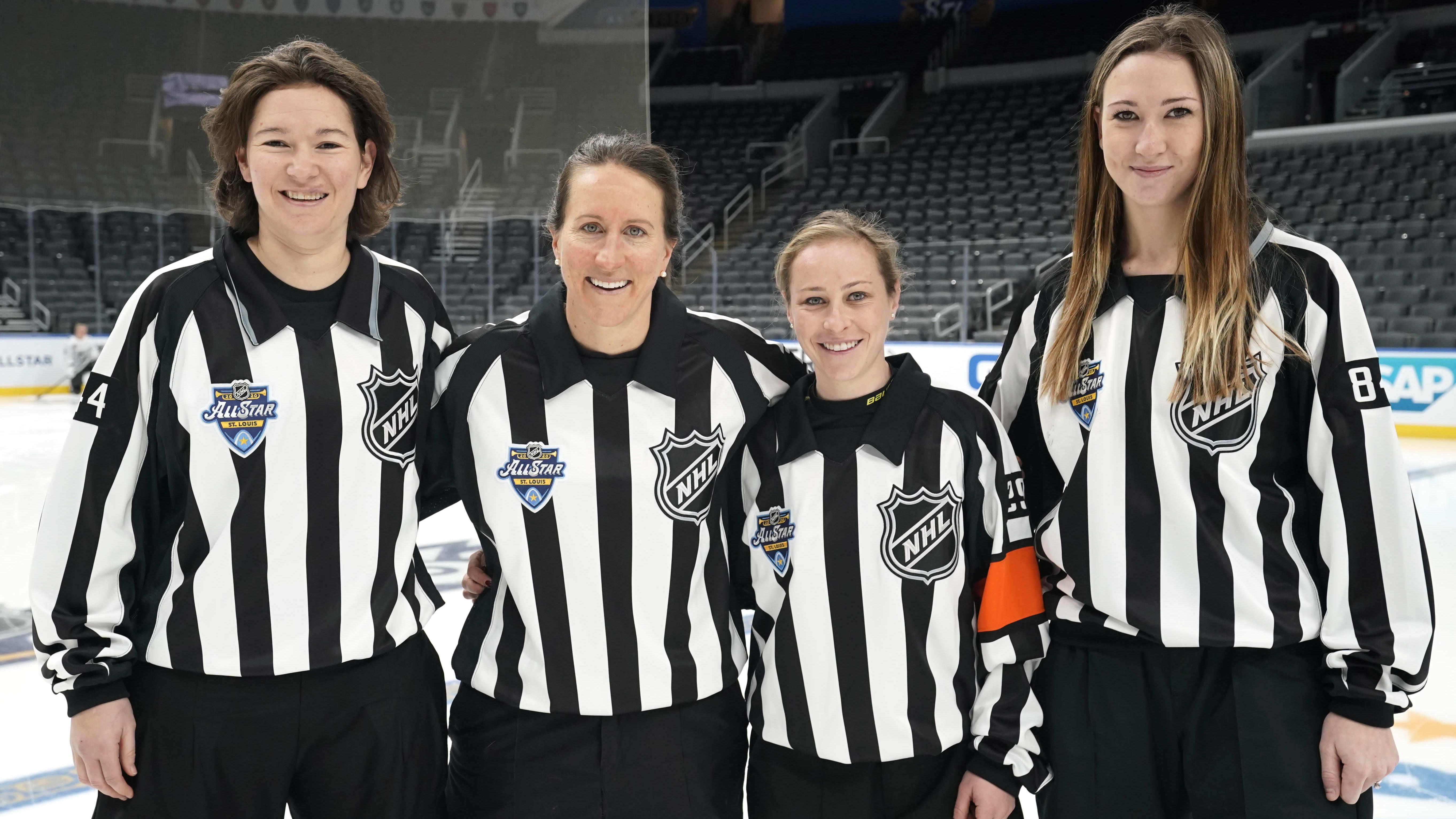 NHL-tähdistöviikonlopun 2020 naistuomarit vasemmalta alkaen; Kendall Hanley, Katie Guay, Kelly Cooke ja Kirsten Welsh.