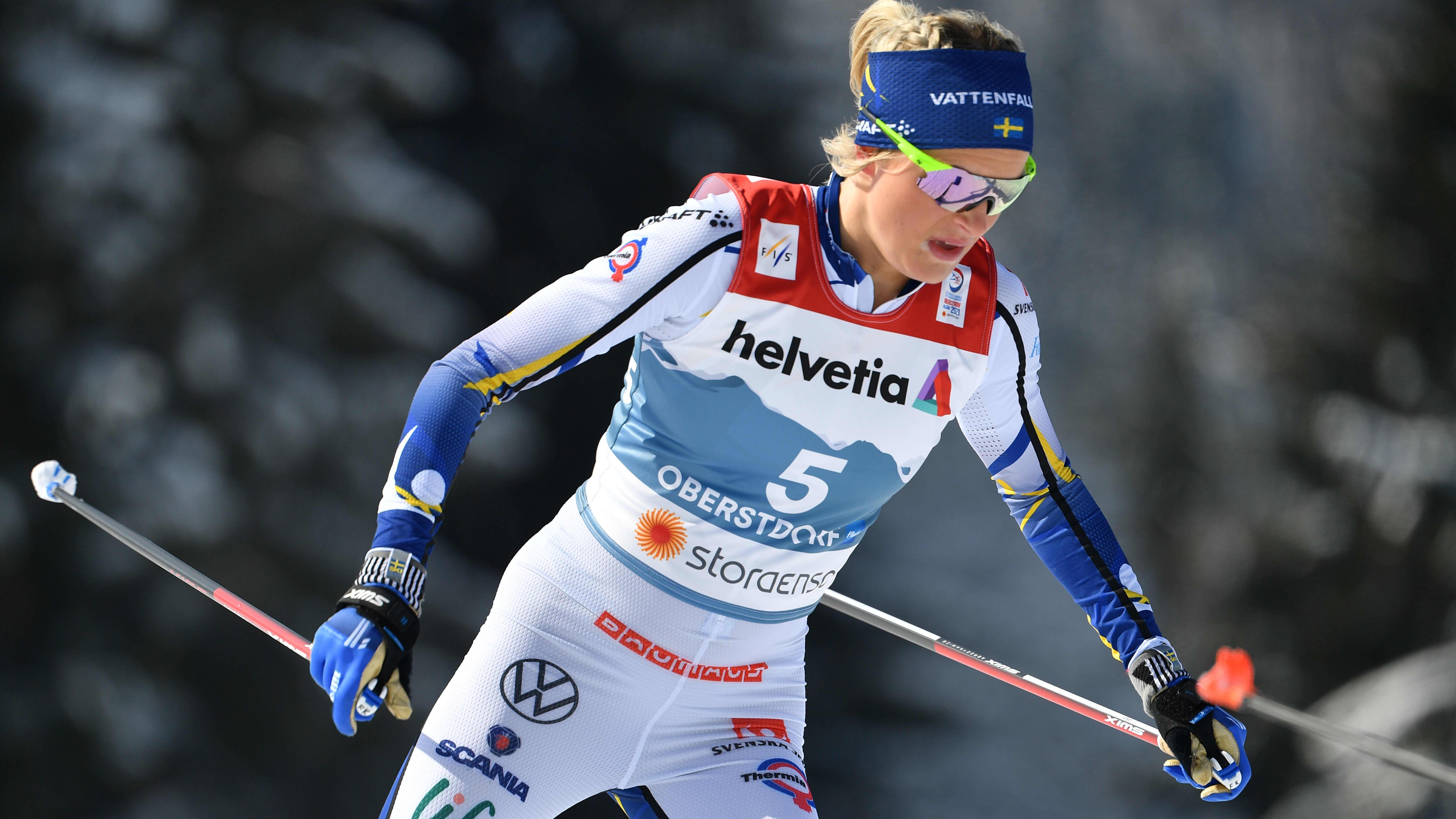 Frida Karlsson kuvattuna Oberstdorfin MM-kisoissa 2021.