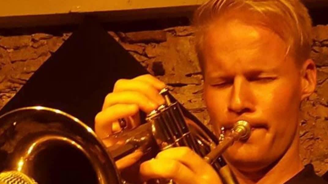 Korona sai luovuuden kukkimaan – trumpetisti Visa Haarala laulaa duettoa itsensä kanssa