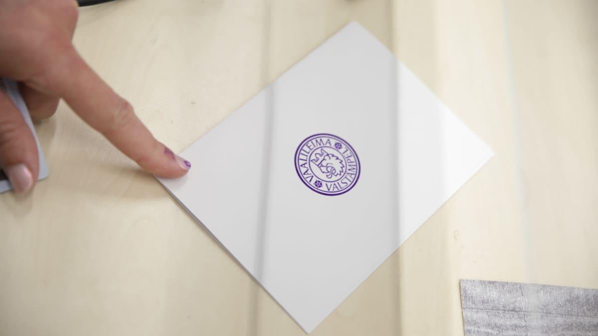 Leimattu äänestyslippu